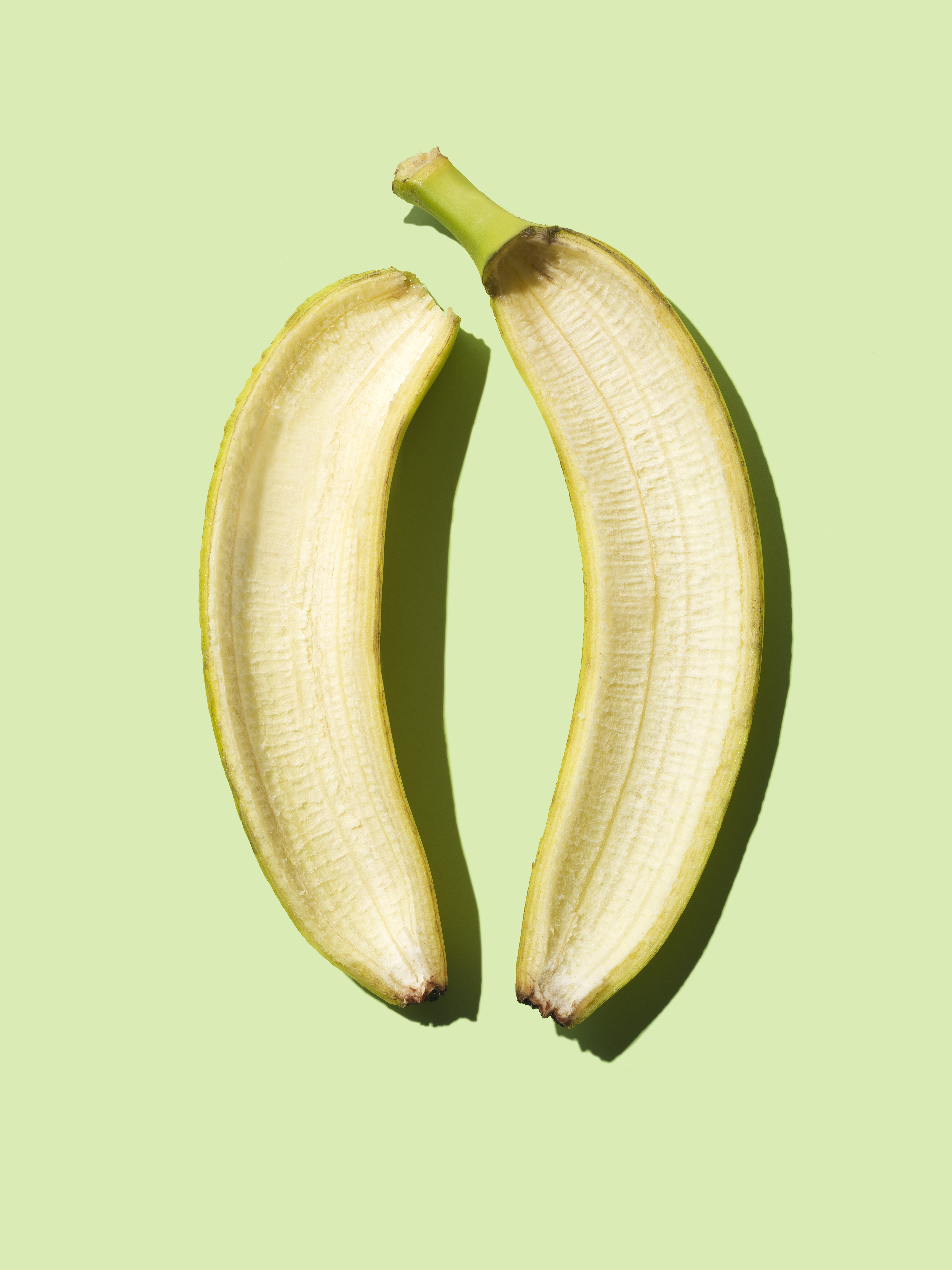 banana peelings for shoe polisher Try these clever hacks for your home and garden using banana peels  buff away scuffs on leather shoes  (a key ingredient in leather polish).