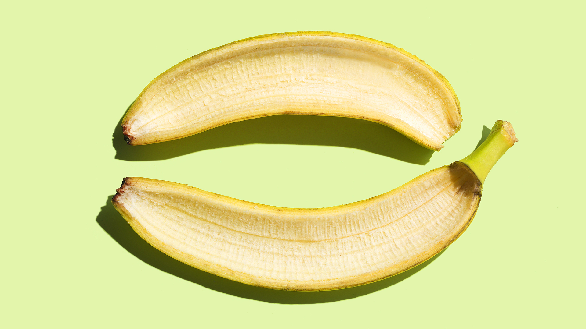 banana peel as shoe polish Turns out banana peels share a key ingredient of shoe polish (potassium) and they work wonders on dusty or scuffed leather just peel a ripe banana, wipe the inside of the soft peel on your shoe .