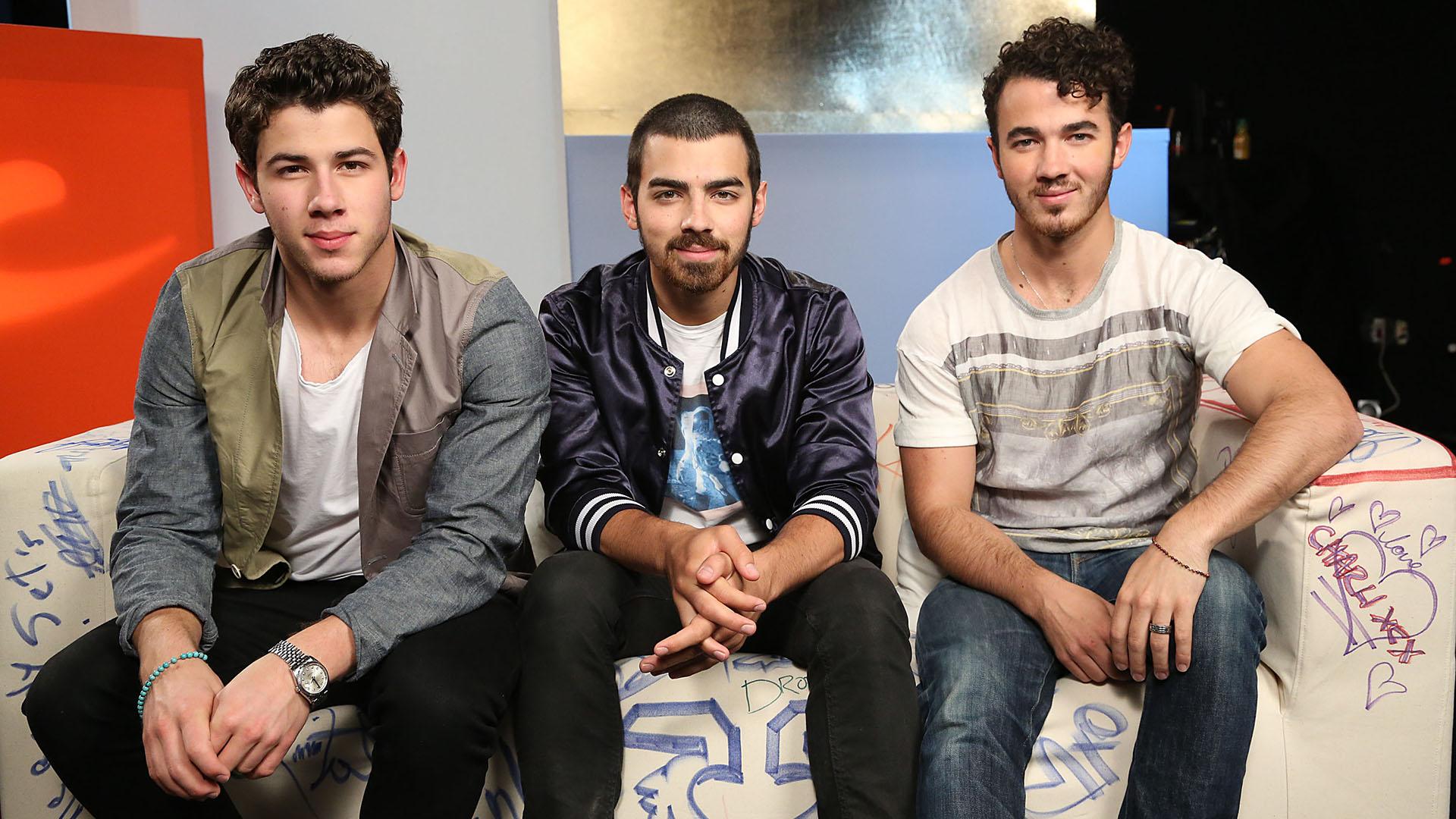 Jonas Brothers' dad, K...
