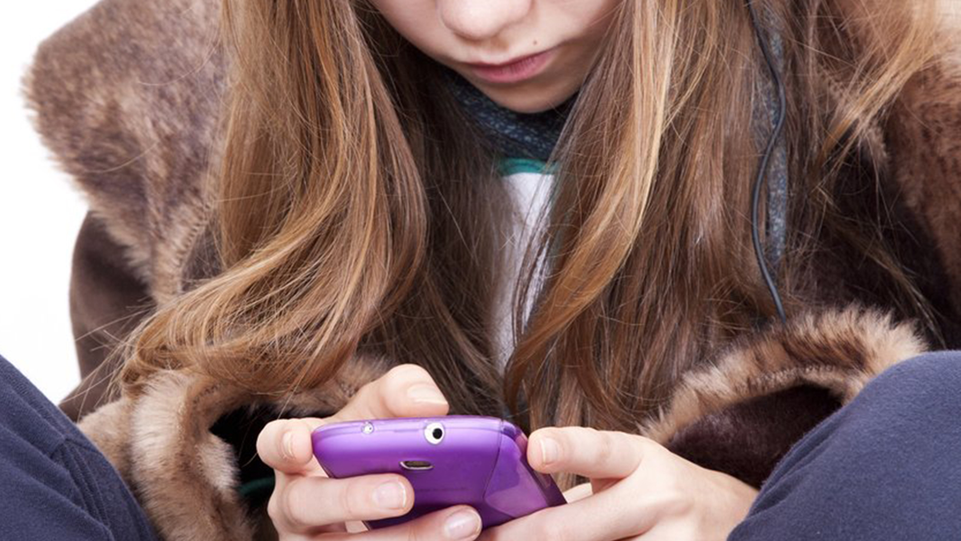 5 Ways Parents Can Help Prevent Teen >> 9 Ways To Help Teens Manage Their Social Media Footprint