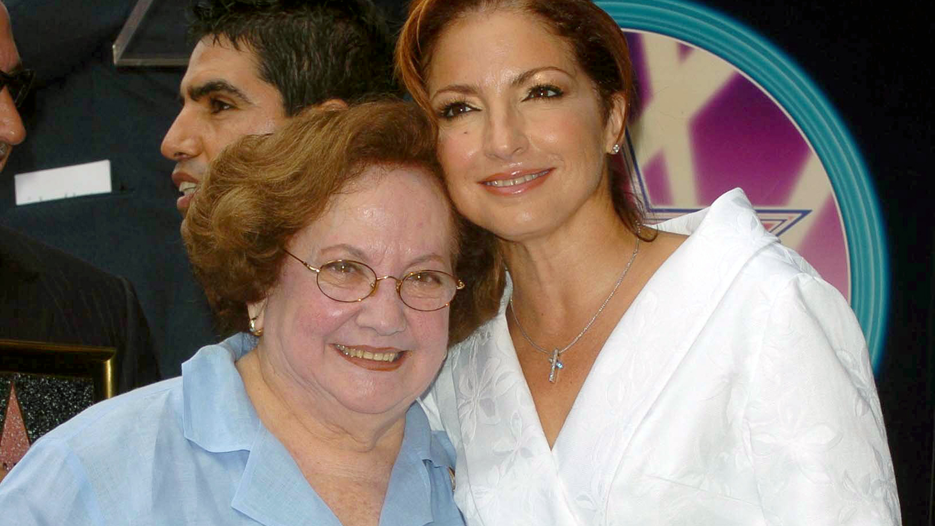 Gloria Estefan reach