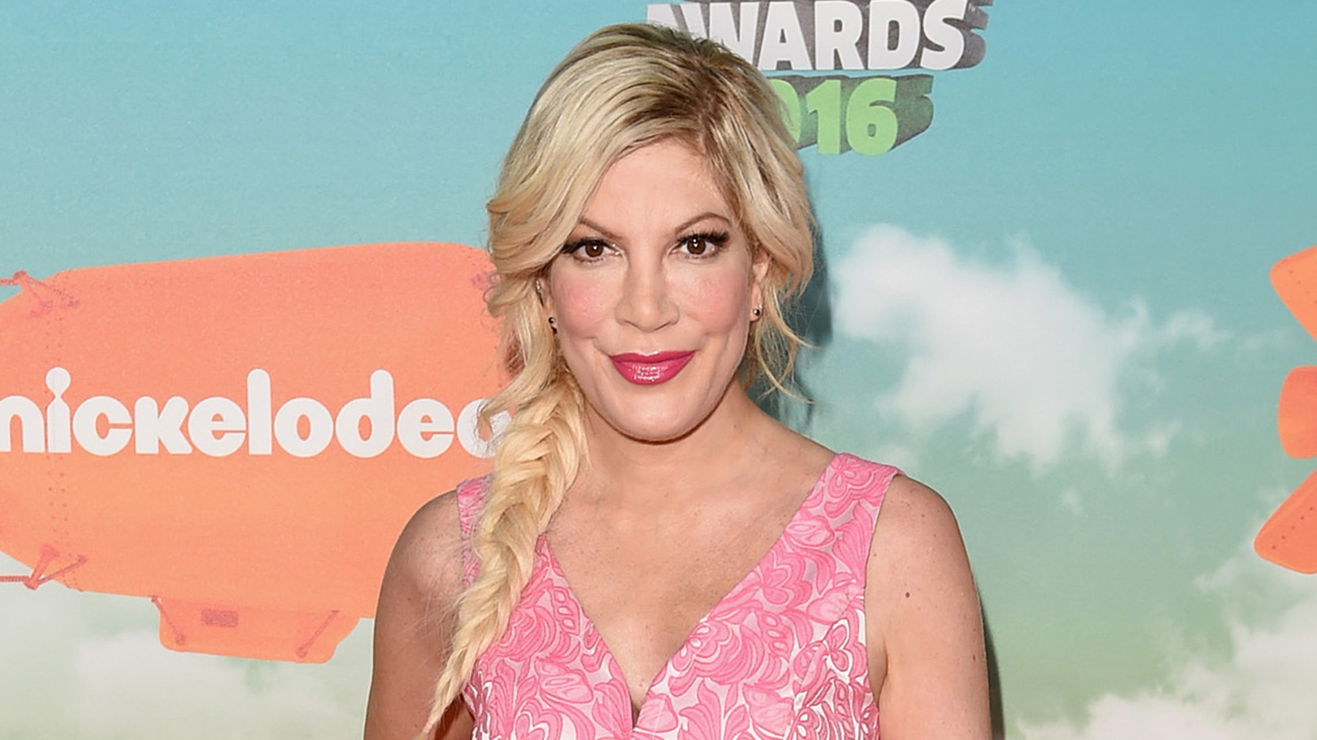 Tori Spelling Shows Off Purple Hair On Instagram Today Com