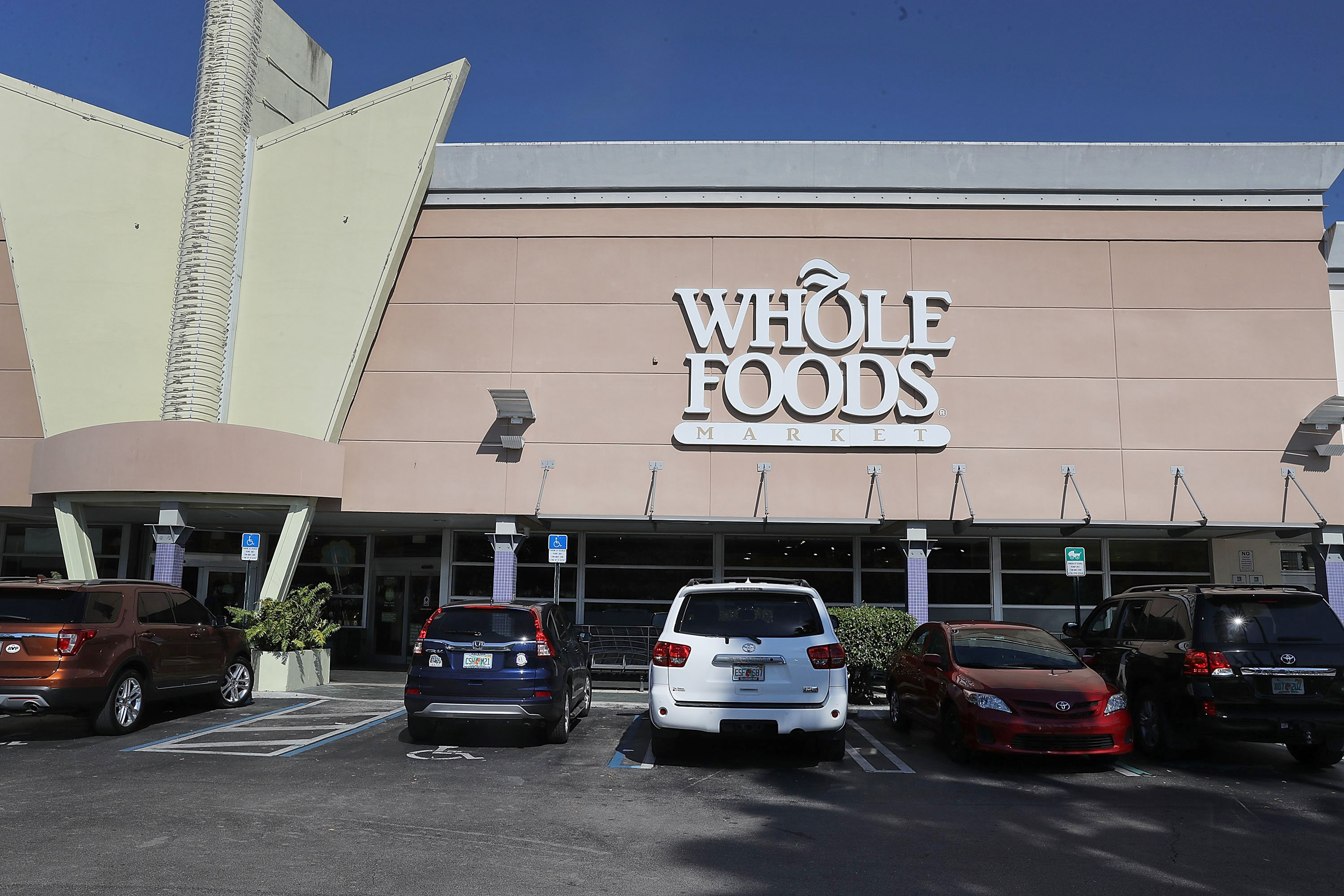 Amazon-Buys-Whole-Foods-for-$14B-Cash