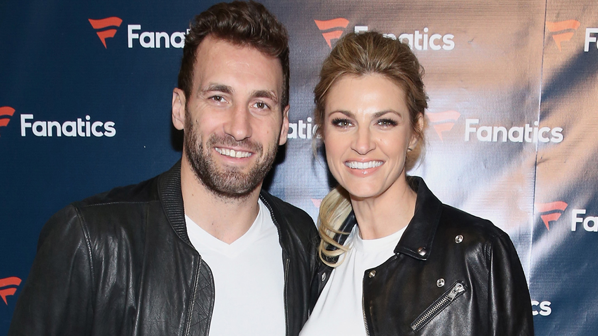 Erin Andrews Wedding.Erin Andrews Marries Former Nhl Player Jarret Stoll In Sunset Ceremony