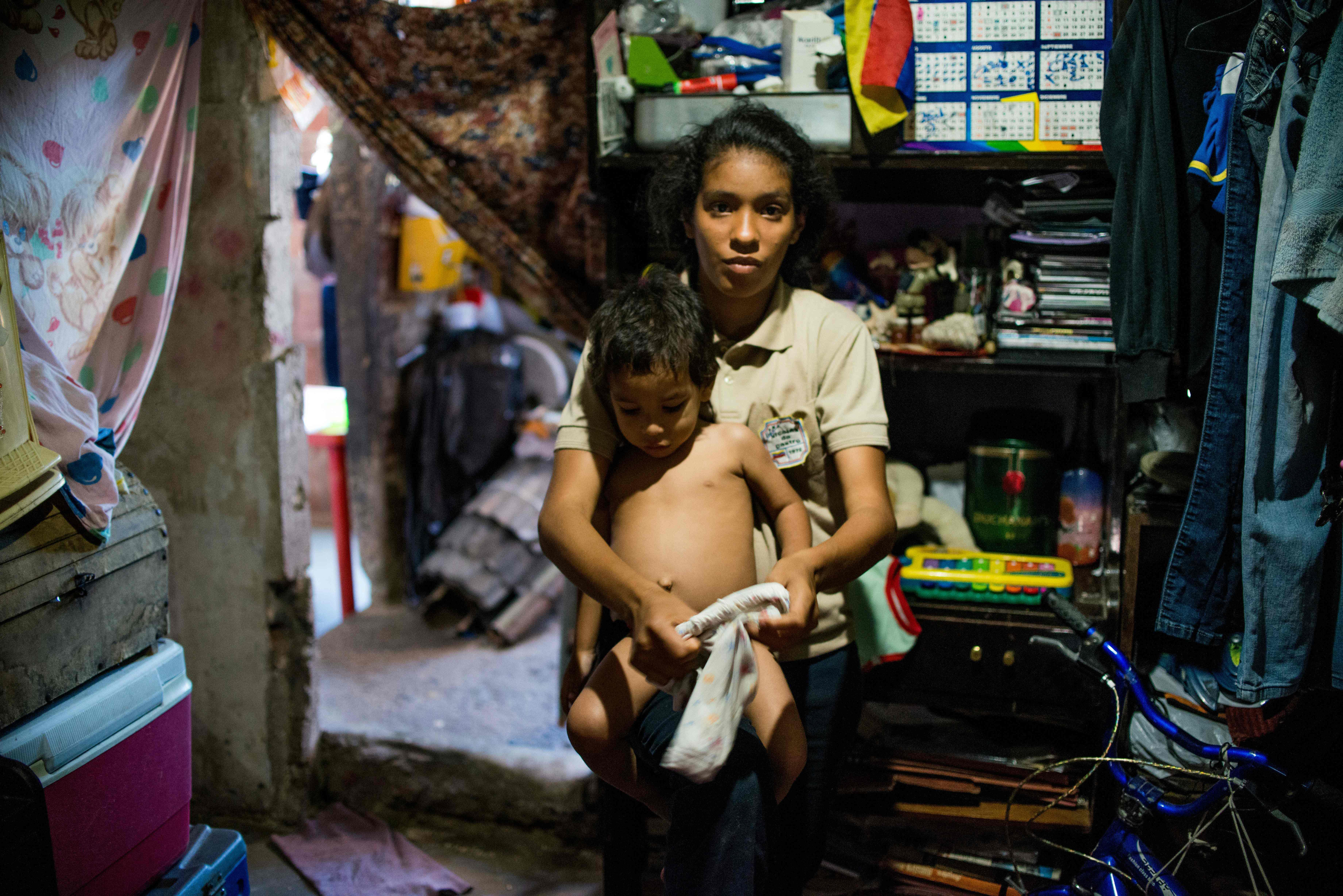 venezuelan people starving - HD7360×4912