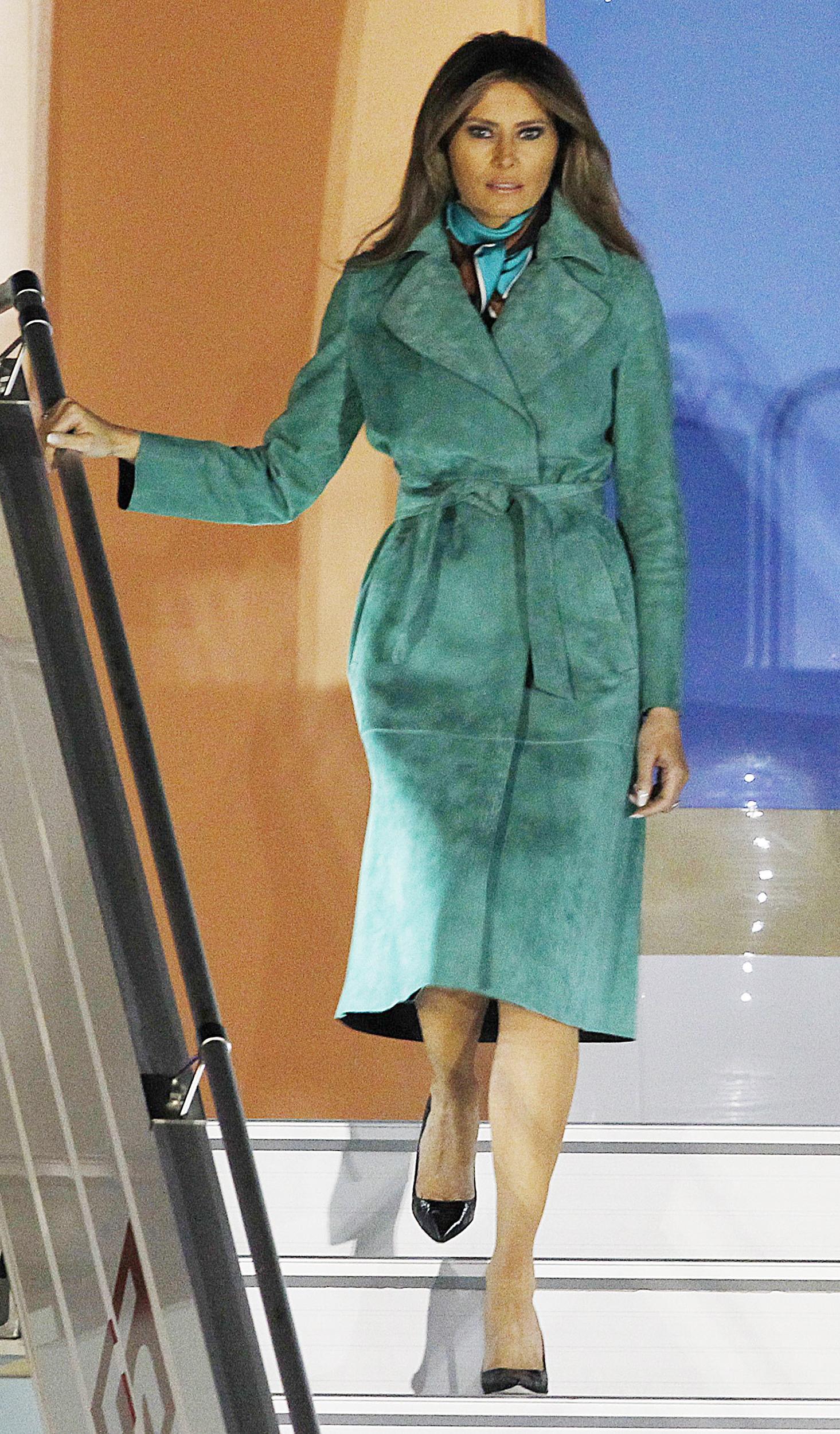 Melania Trumps First Lady Style Jfashion Korean Double Layer Blouse Ivanka