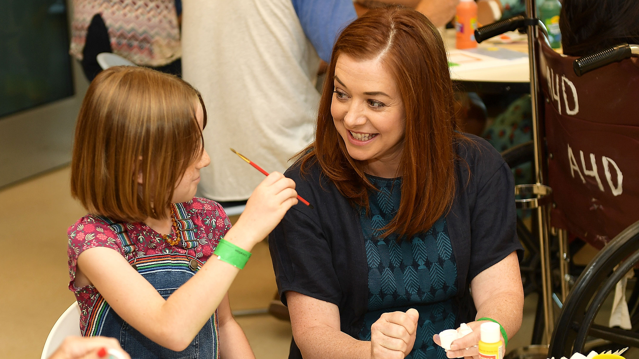alyson hannigan on raising 2 young daughters in hollywood