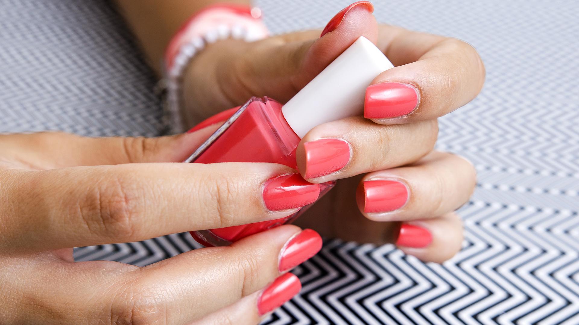 At-home manicure tips: Don\'t shake nail polish