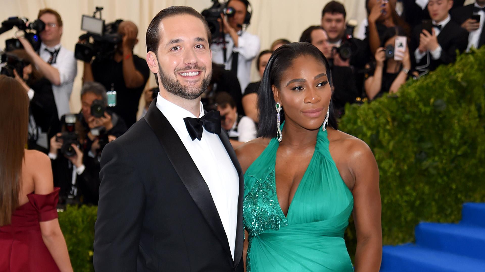Serena Williams Gives Birth To A Baby Girl Sister Venus