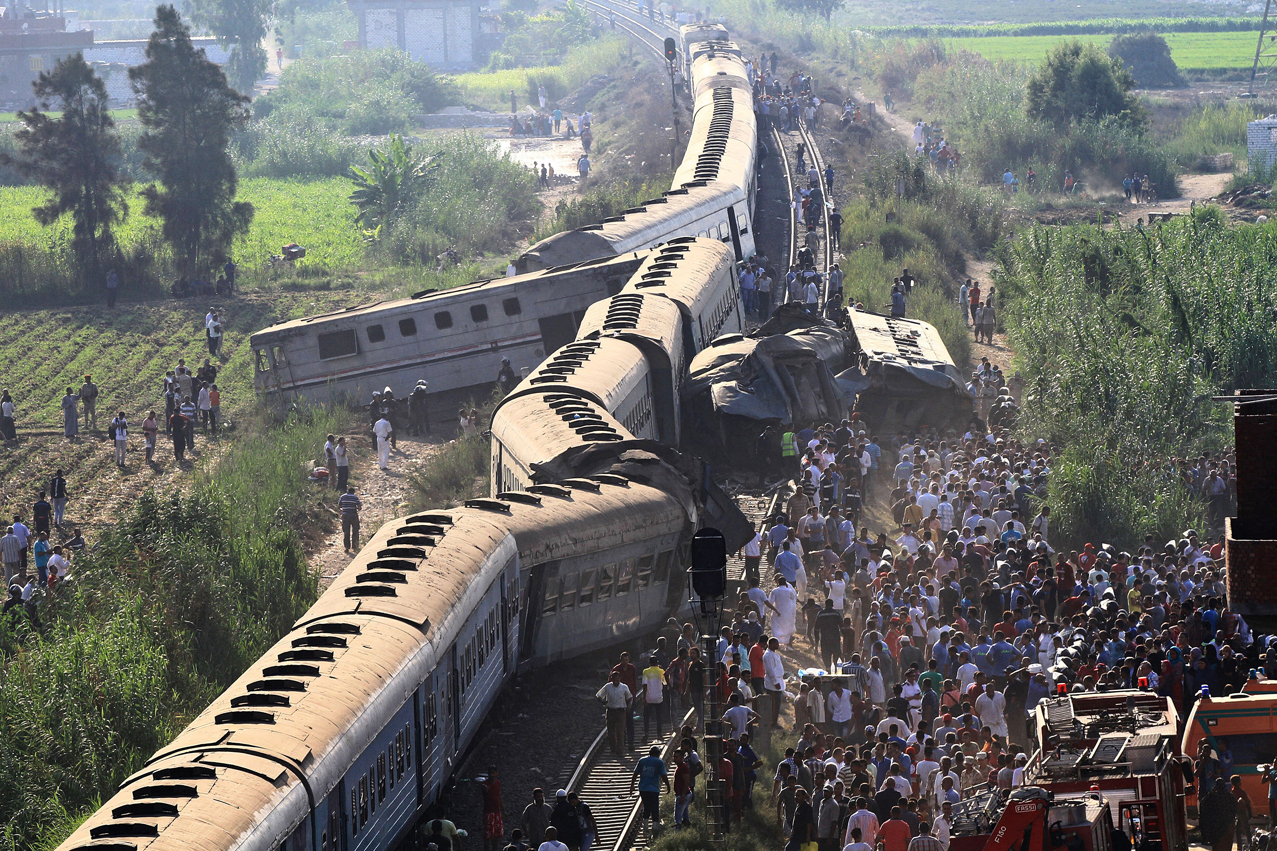 170811-egypt-train-accident-ew-115p_ac8caabf0f42c7ed0bbf56a1200420d6.jpg