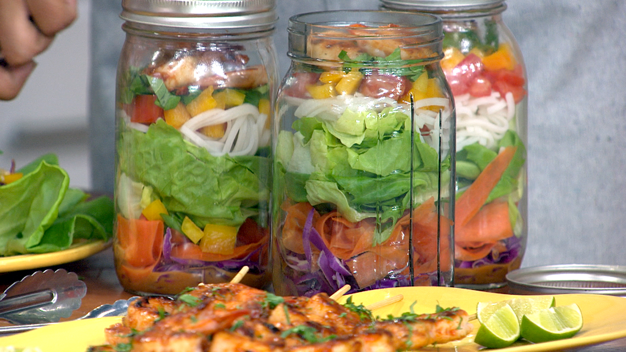 how to build a salad jar