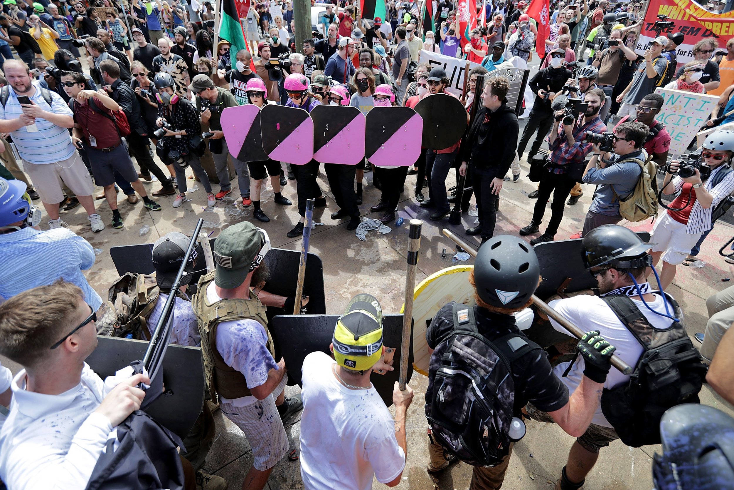 Image: Battle lines form between white nationalists, neo-Nazis and members of the