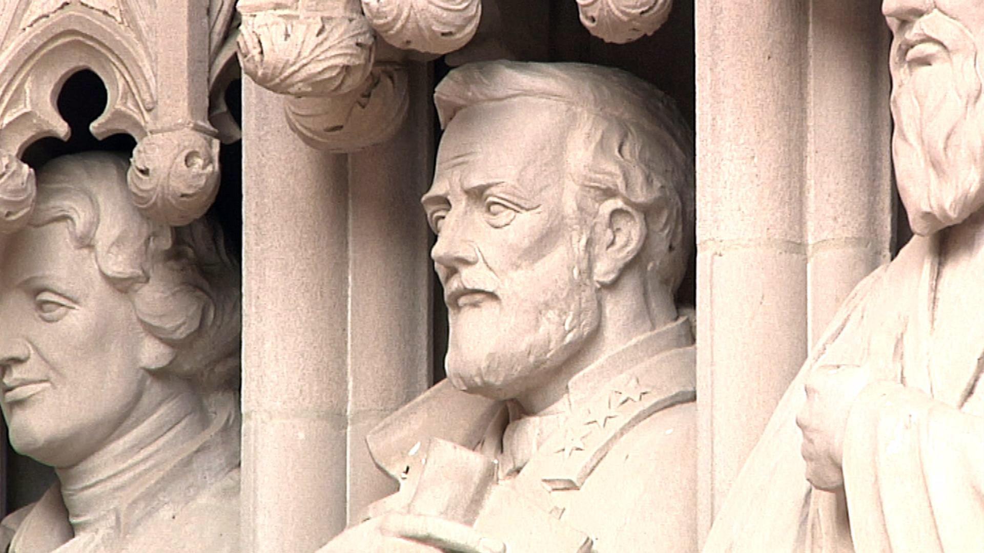 Duke University Removes Robert E. Lee Statue