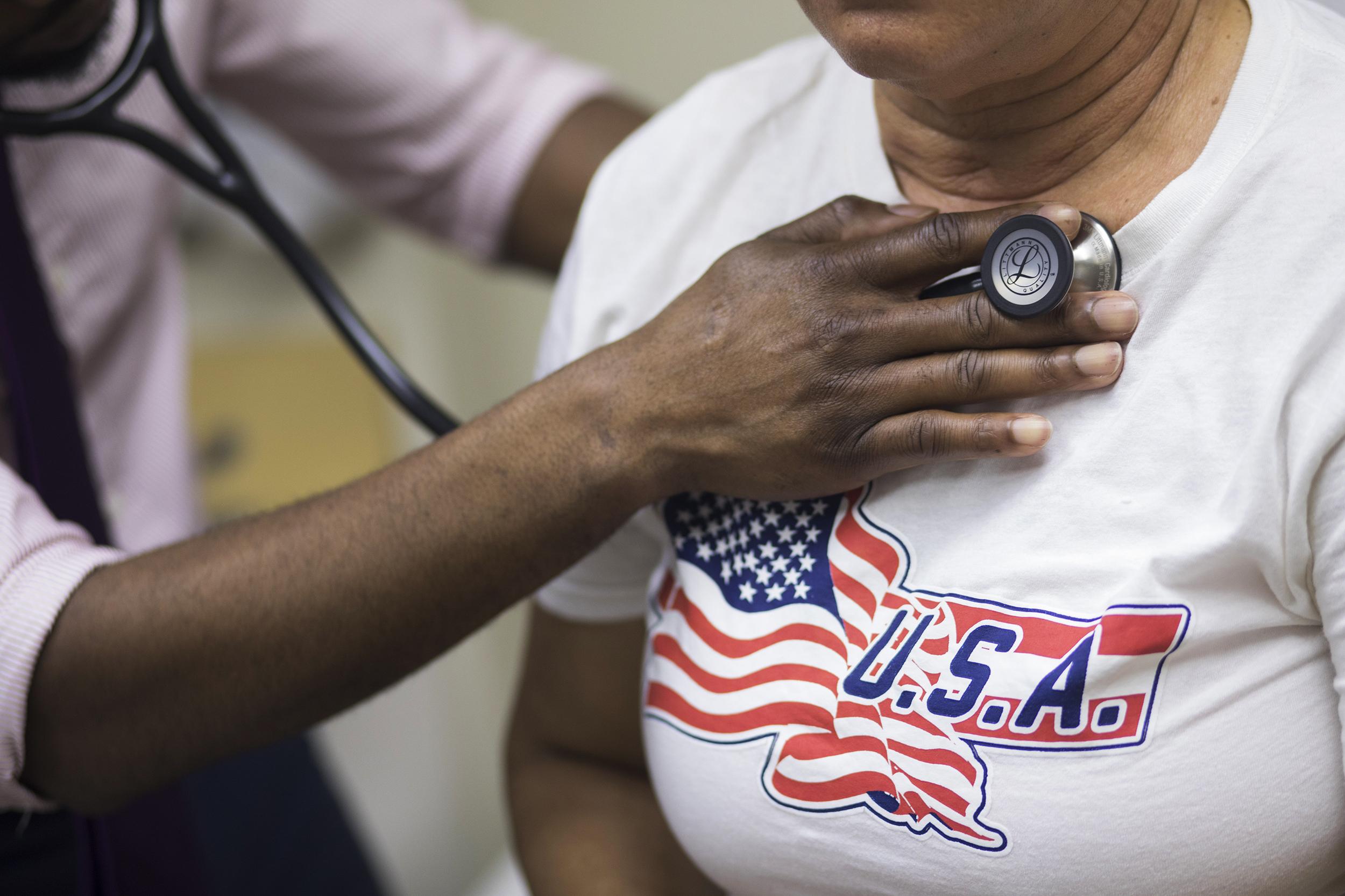 Image: A patient receives care at El Nuevo San Juan Health Center