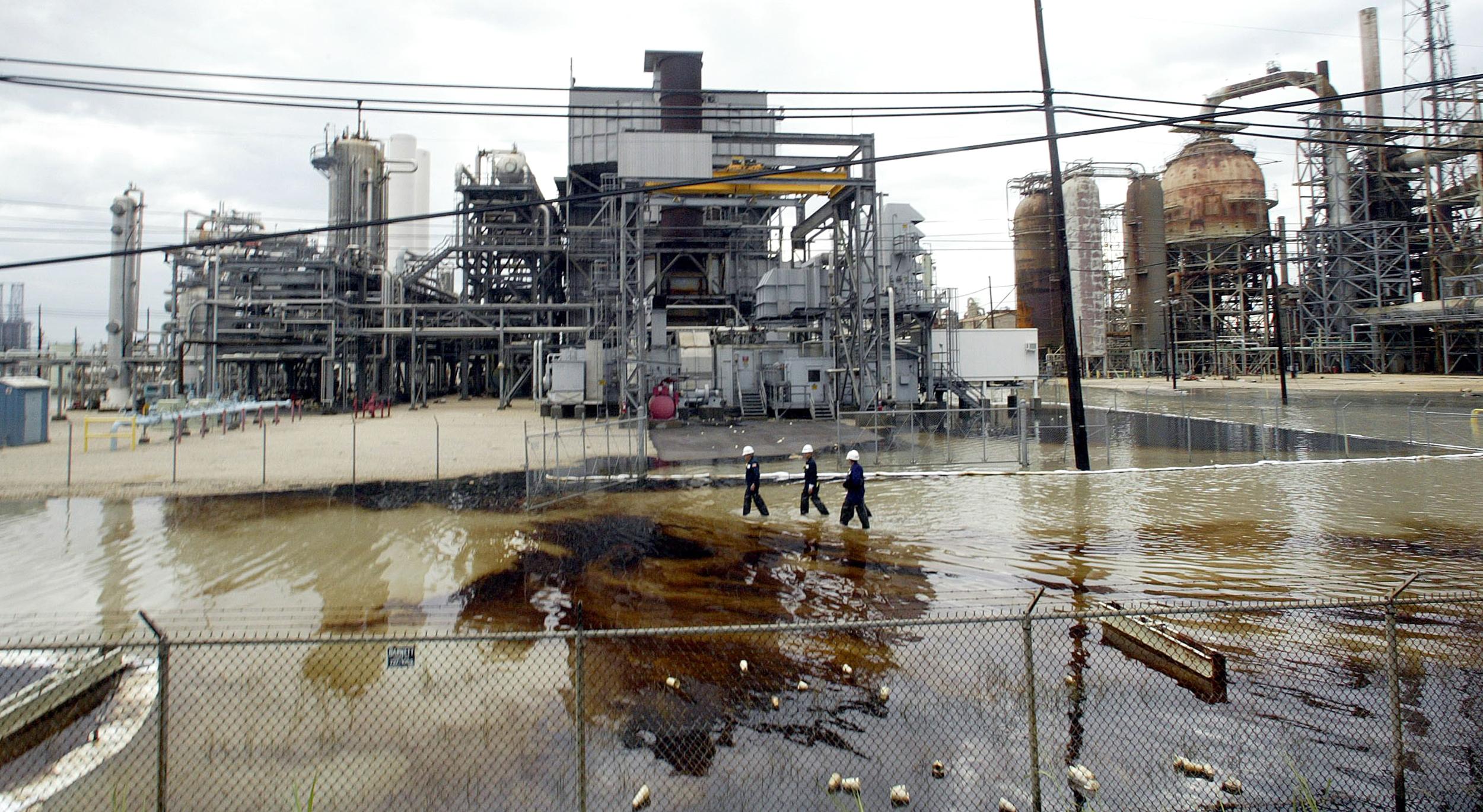 Image: Valero Oil Refinery