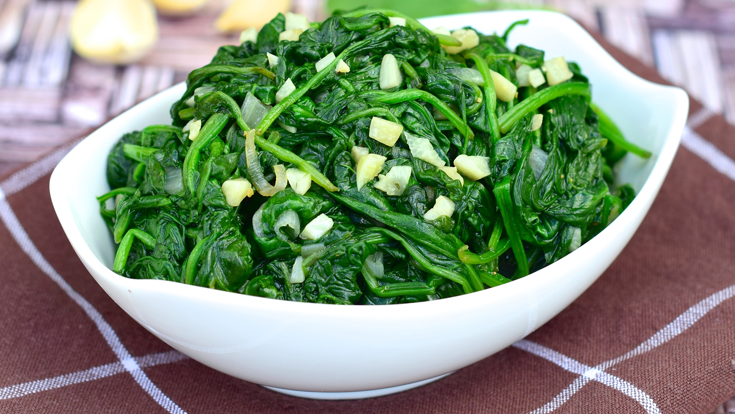 how to cook baby spinach with garlic