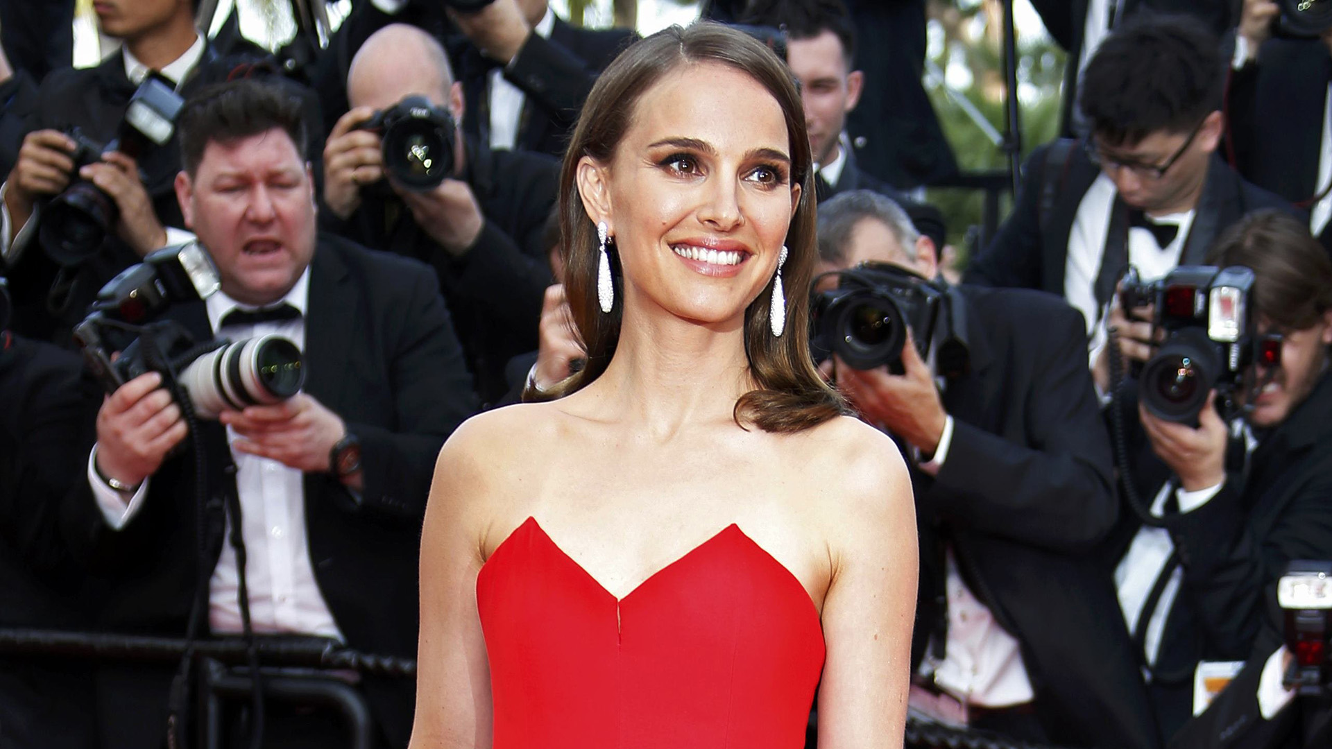 This is Natalie Portman's secret weapon for looking refreshed
