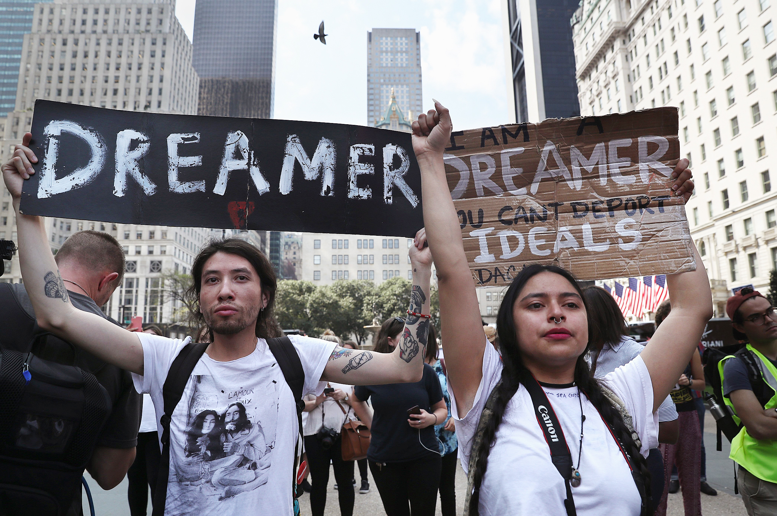 Judge rules that DACA program will stand