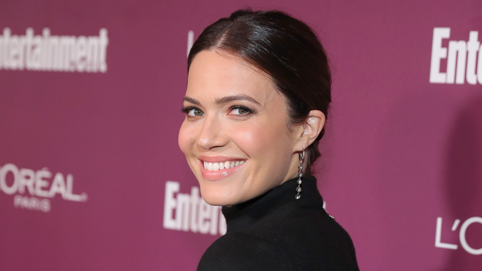 mandy moore shows off engagement ring from taylor goldsmith