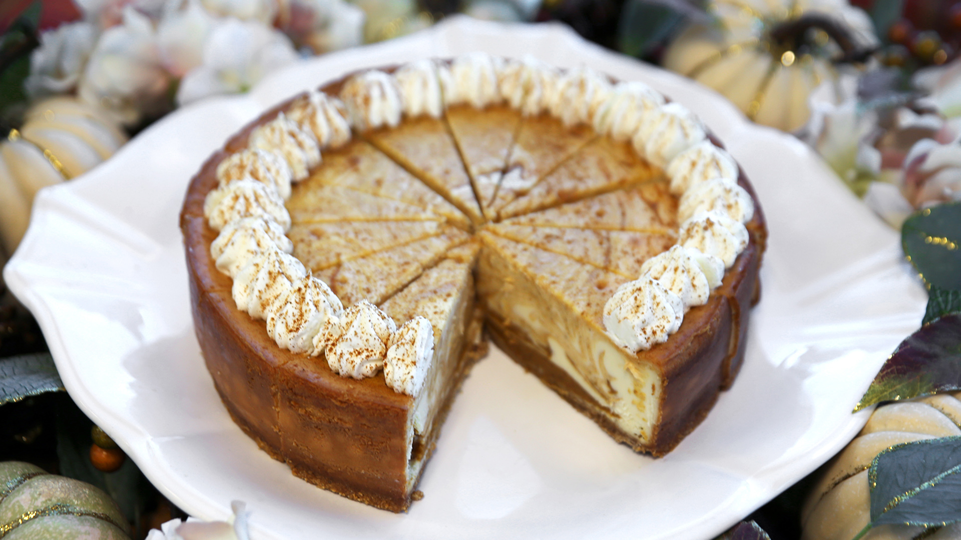 Sam S Club Is Selling A Giant Pumpkin Cheesecake Today Com