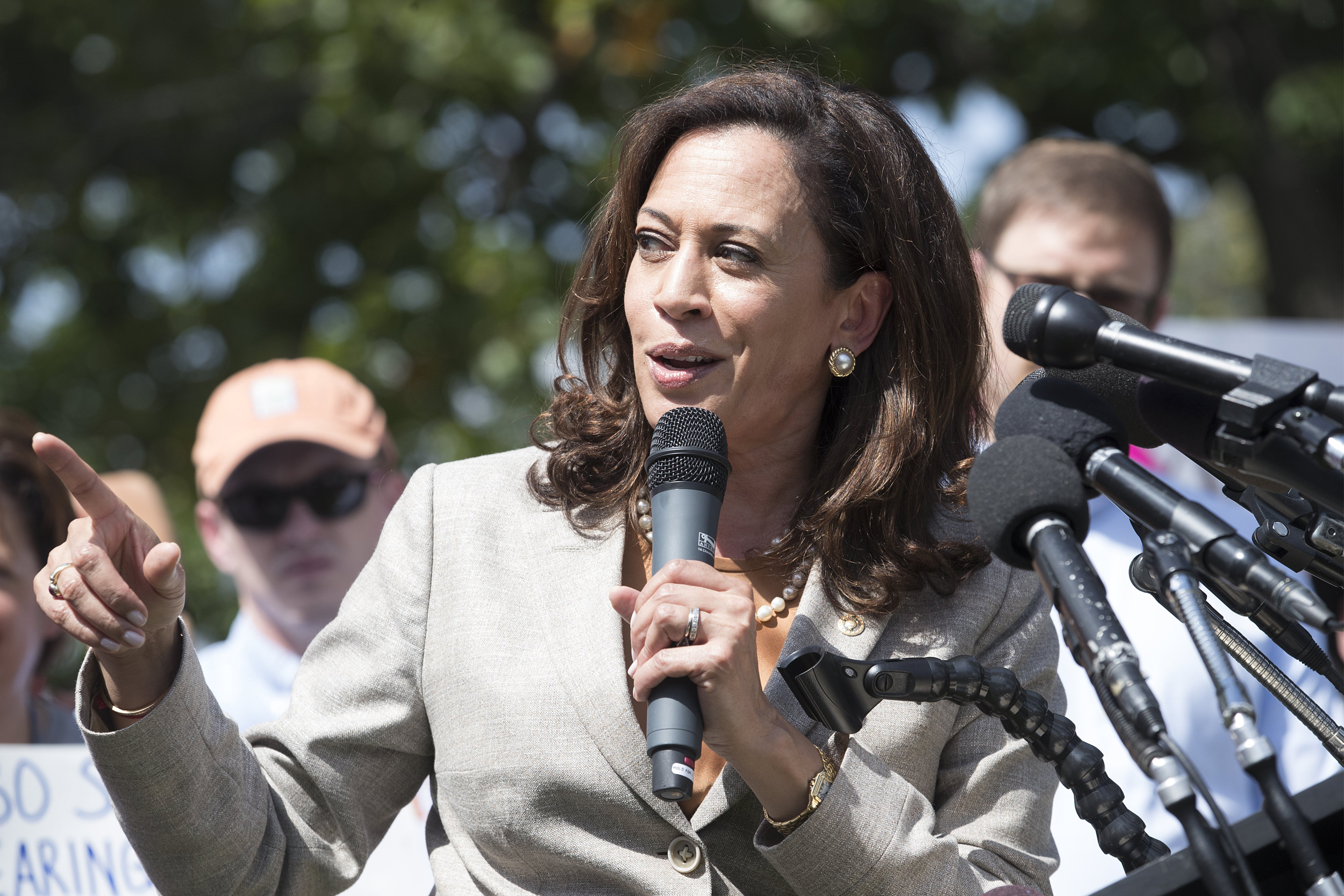 Black Leaders Favor Kamala Harris, Cory Booker in 2020