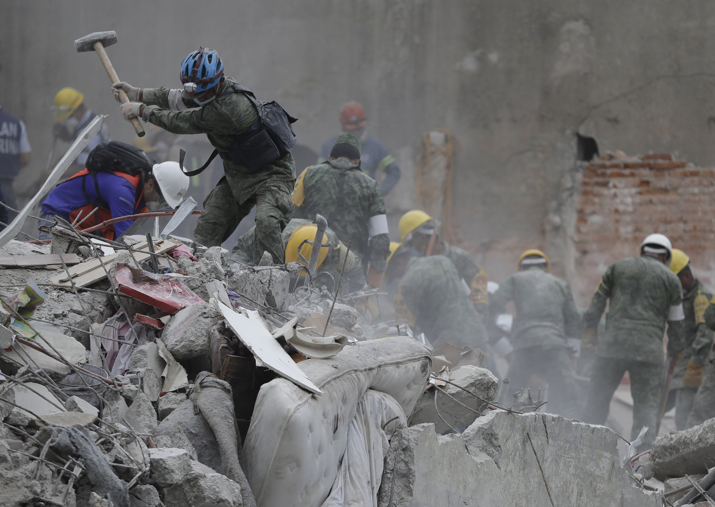 Rescues Continue as Mexico Quake Deaths Rise to 273