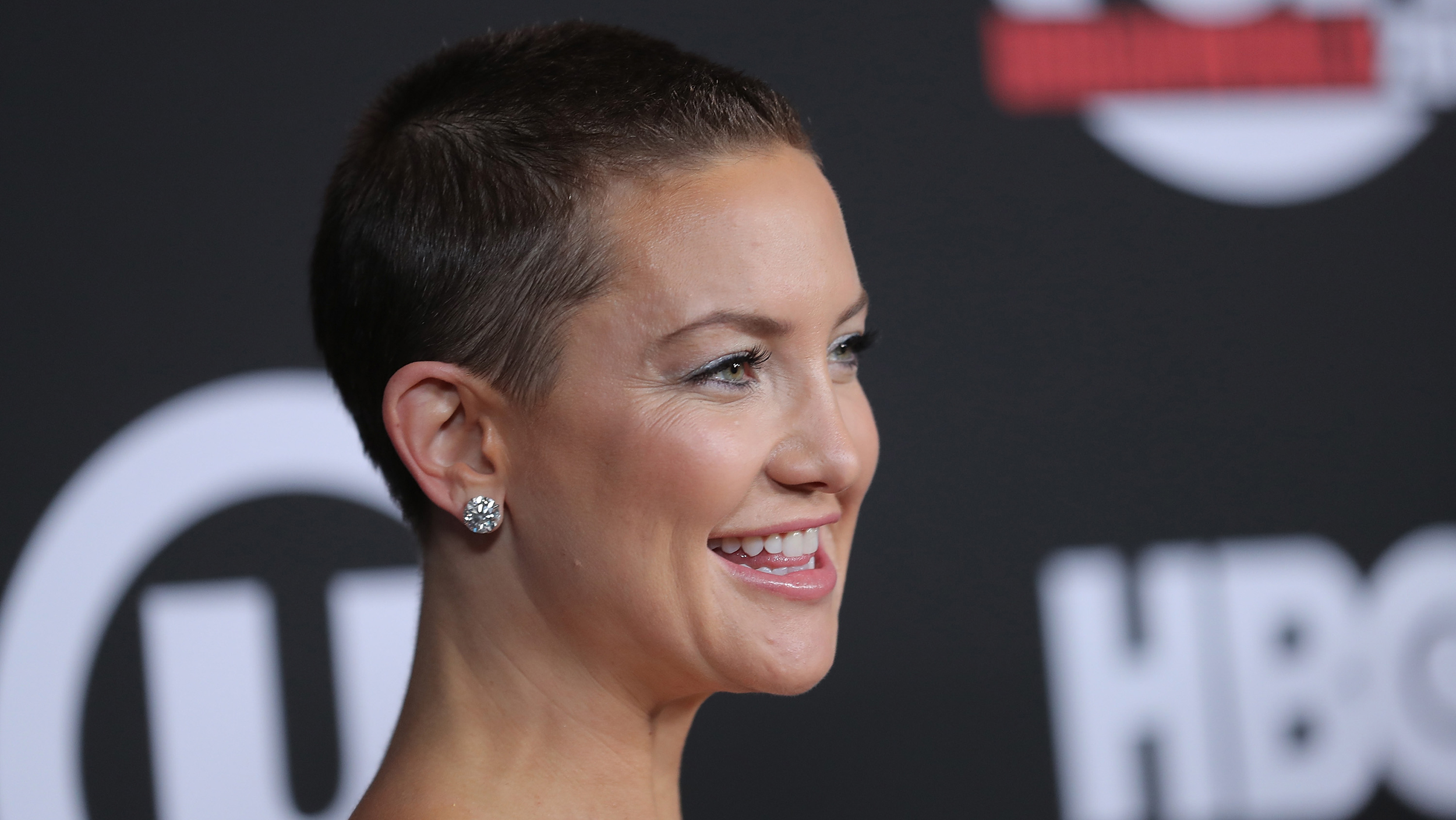 Kate Hudson Rocks A Buzz Cut And Stella Mccartney Dress