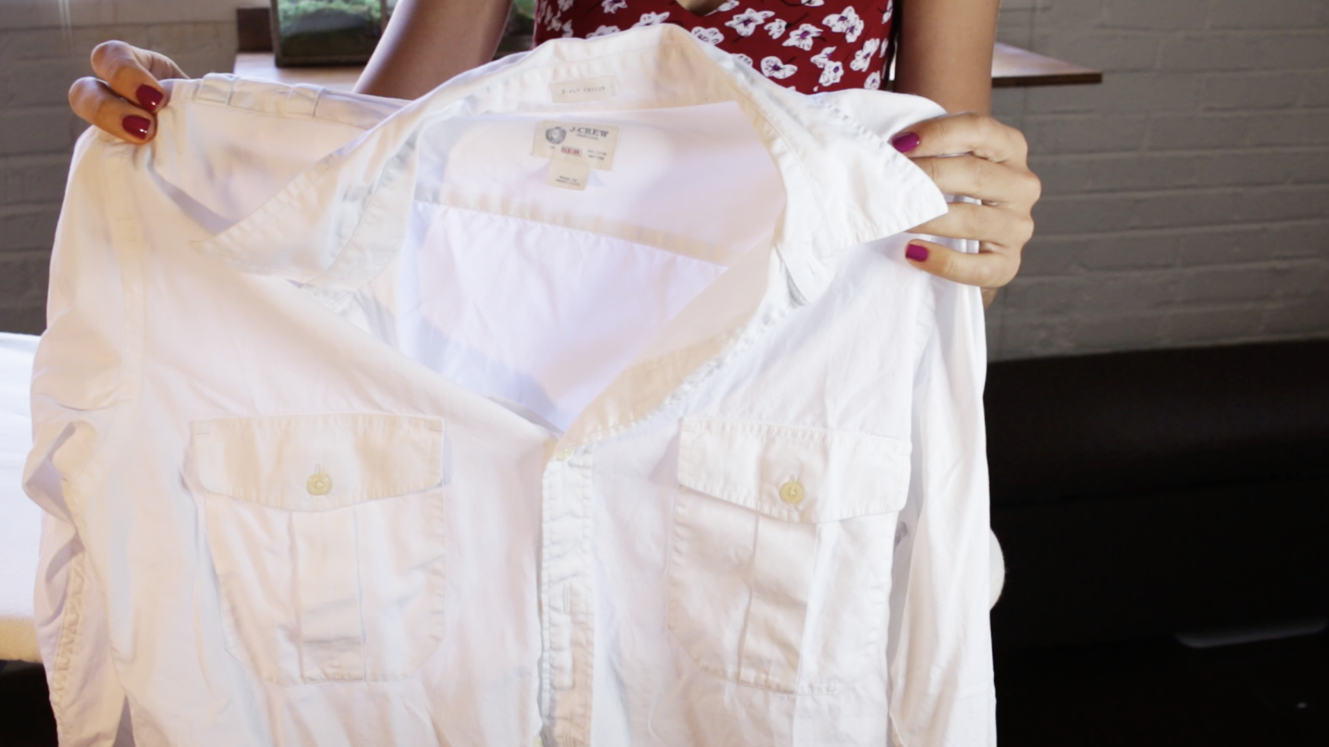 How to iron a wrinkled shirt in half the time: Use tin ...