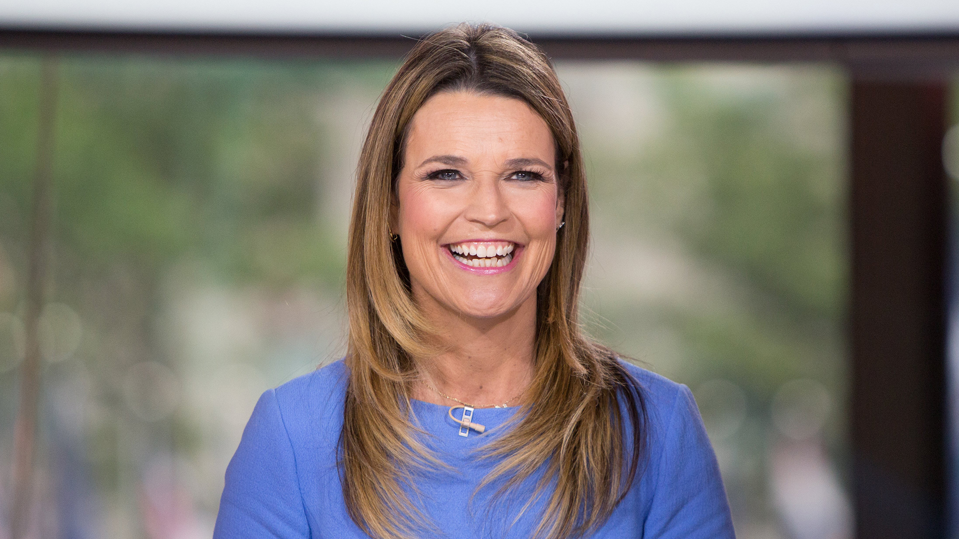 T Style Hair Salon Minneapolis: Savannah Guthrie Shows Off Pink Hair, And We're Obsessed