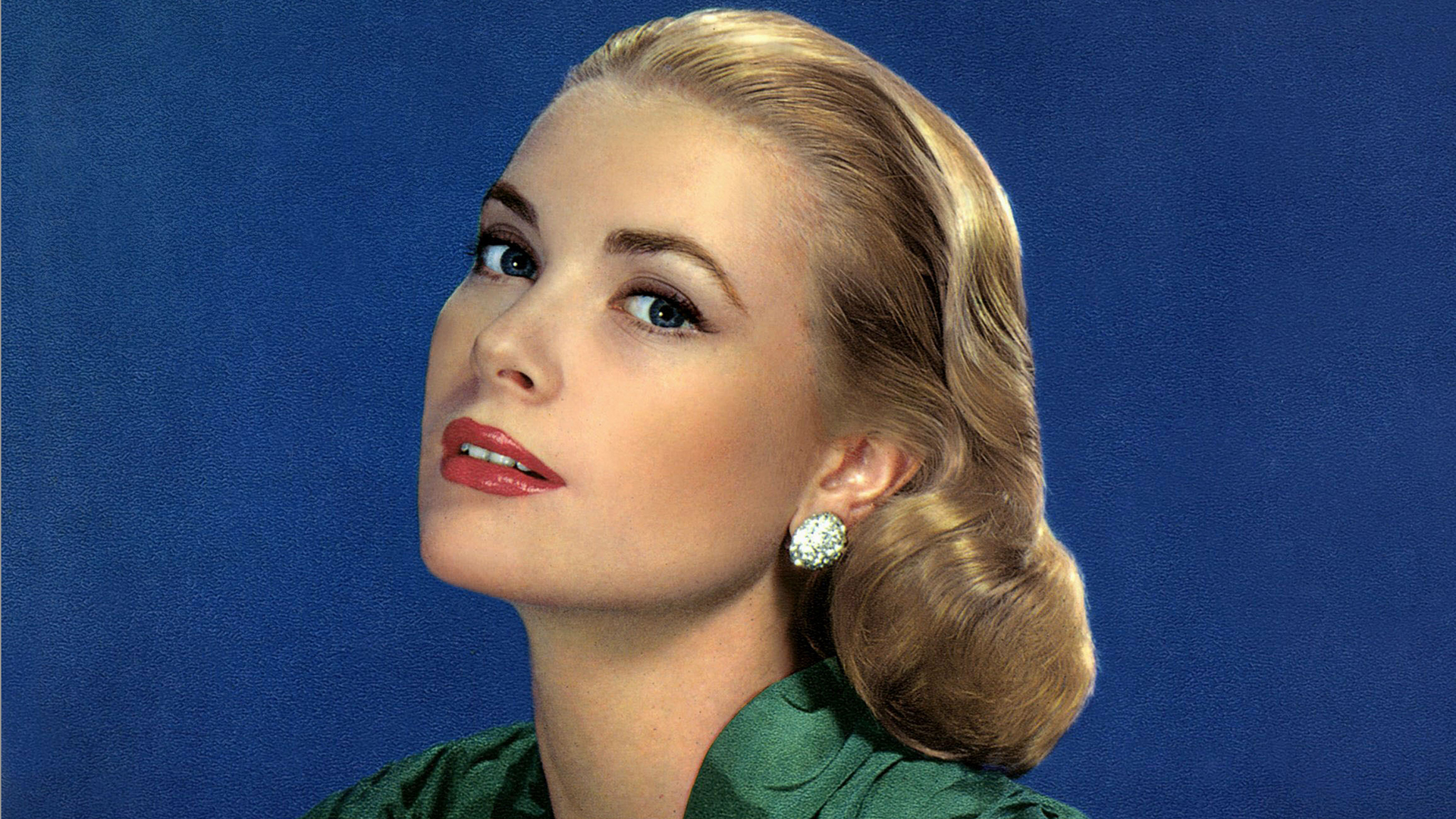 Grace kelly s granddaughter looks just like her royal for Grace kelly fenetre sur cour