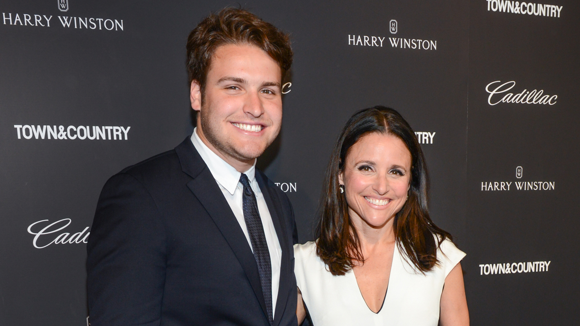 Julia Louis Dreyfus And Her Son Thank Supporters After Her