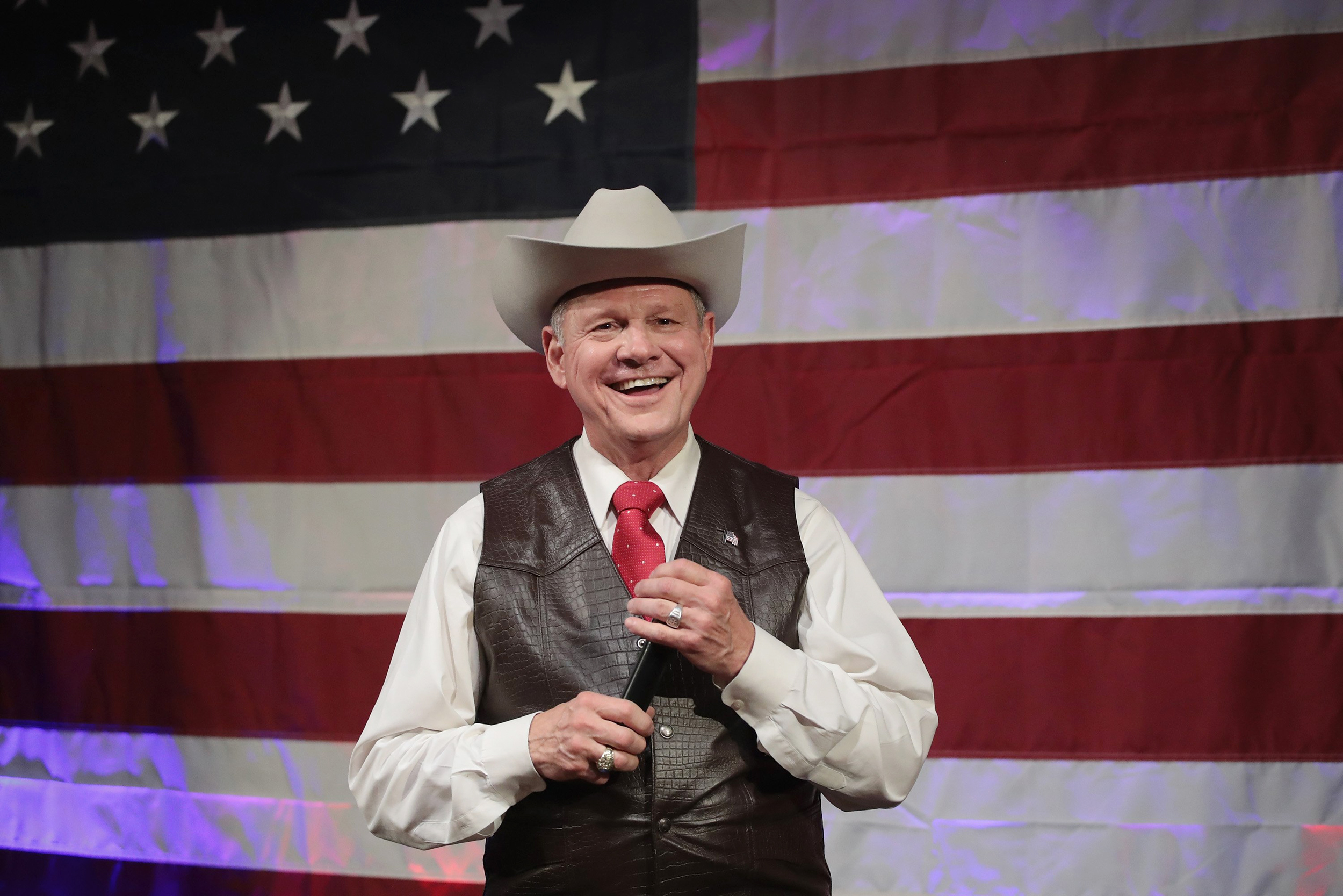 Image: Republican candidate for the U.S. Senate in Alabama, Roy Moore, speaks at a campaign rally