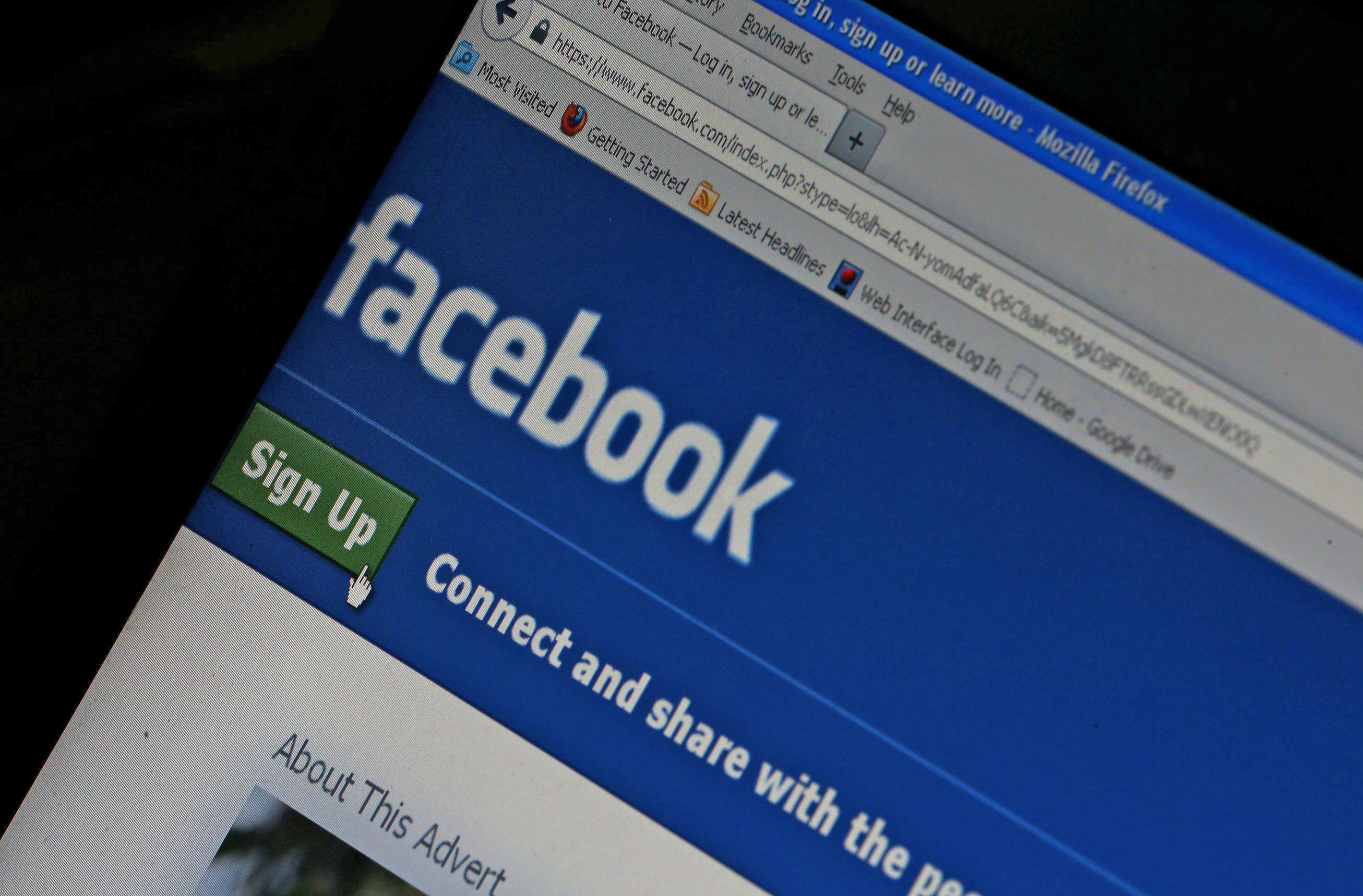 Suspected Russian Facebook Ads Were Targeted To Specific States Nbc News