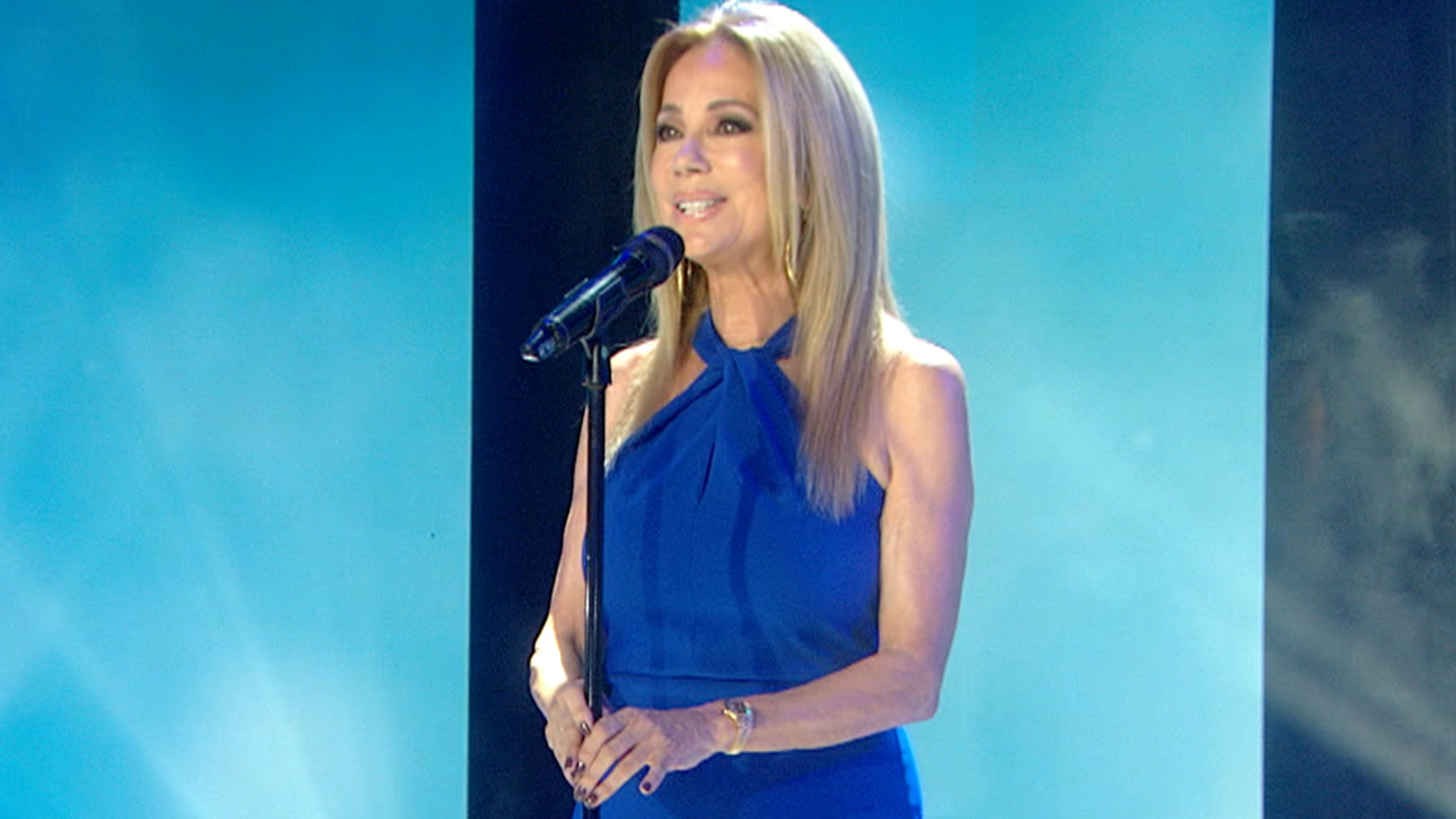 Kathie Lee Gifford performs song she wrote for husband Frank to 'honor his memory'