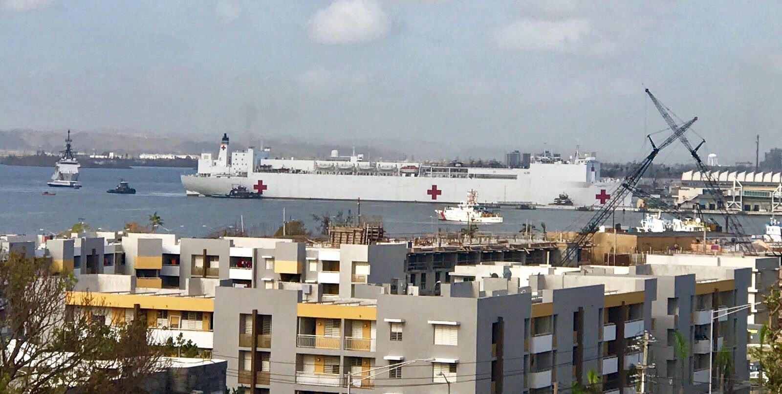 Image: US Navy hospital ship arrives in San Juan