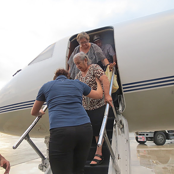 Image: Evacuees arrive in Miami