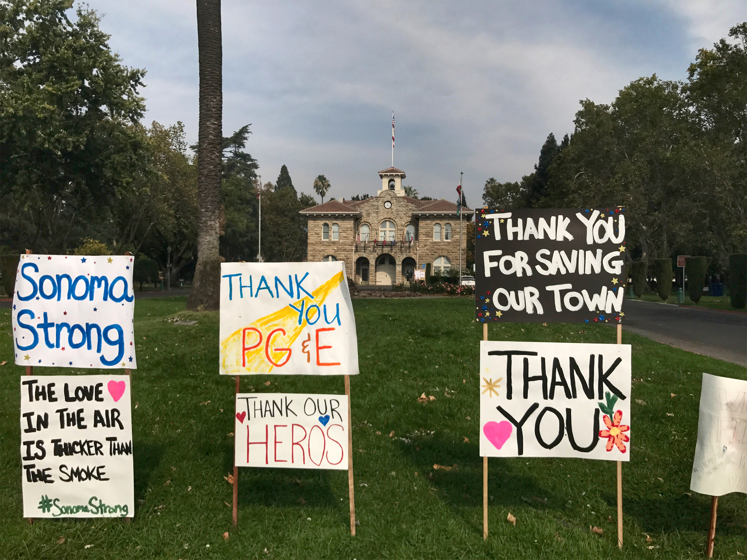 Residents of Flame-Ravaged Sonoma Yearn for Normal