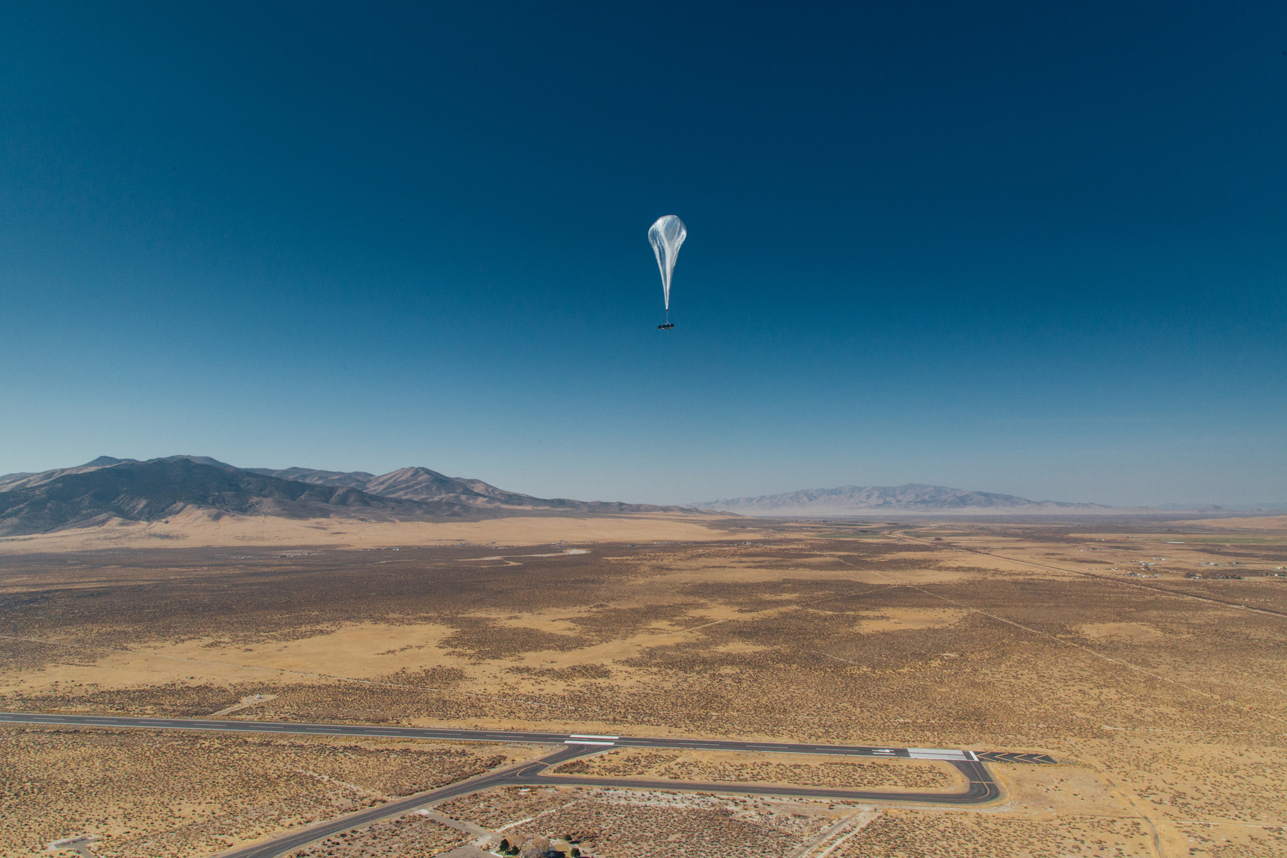 Image: A stratospheric balloon heads for Puerto Rico after its launch from the project site in Winnemucca, Nevada