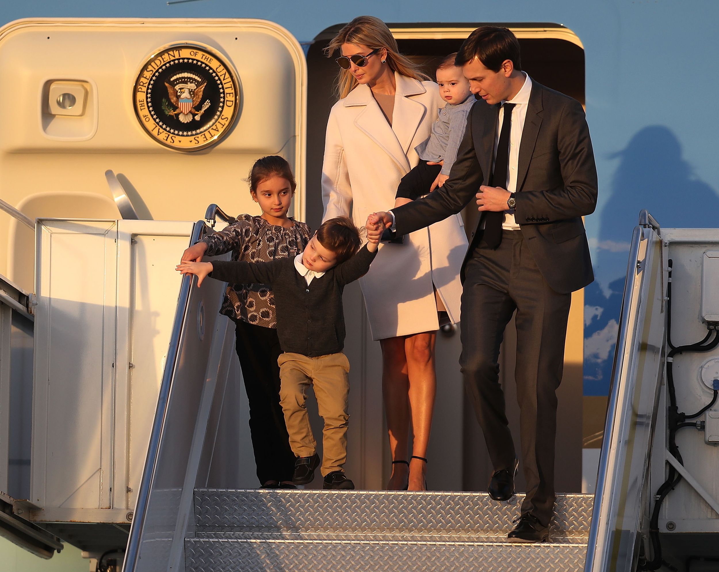 Image: Ivanka Trump and her family leave Air Force One