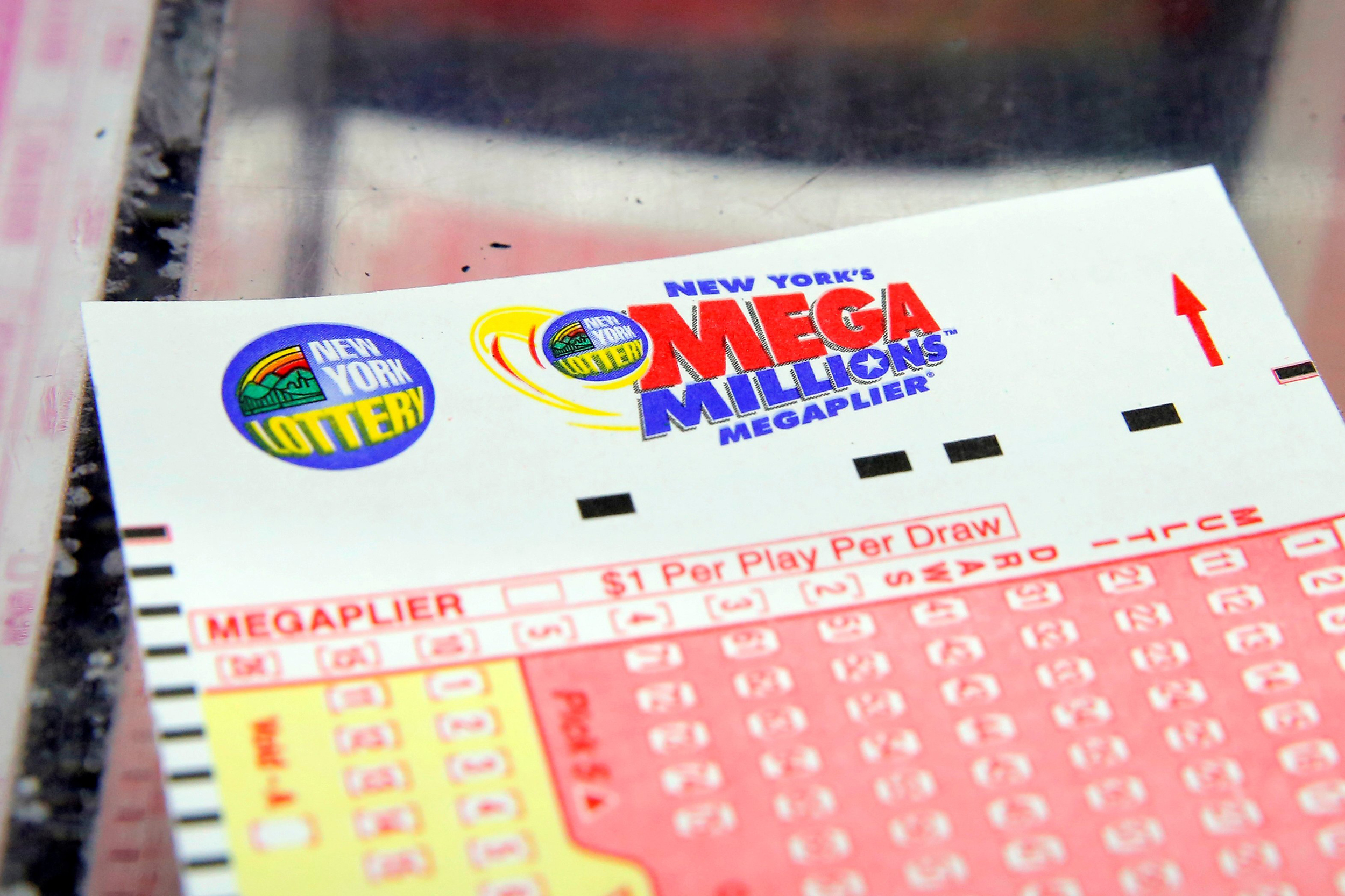 Mega Millions Powerball Jackpots Both Top 300 Million As 2017 Draws To A Close