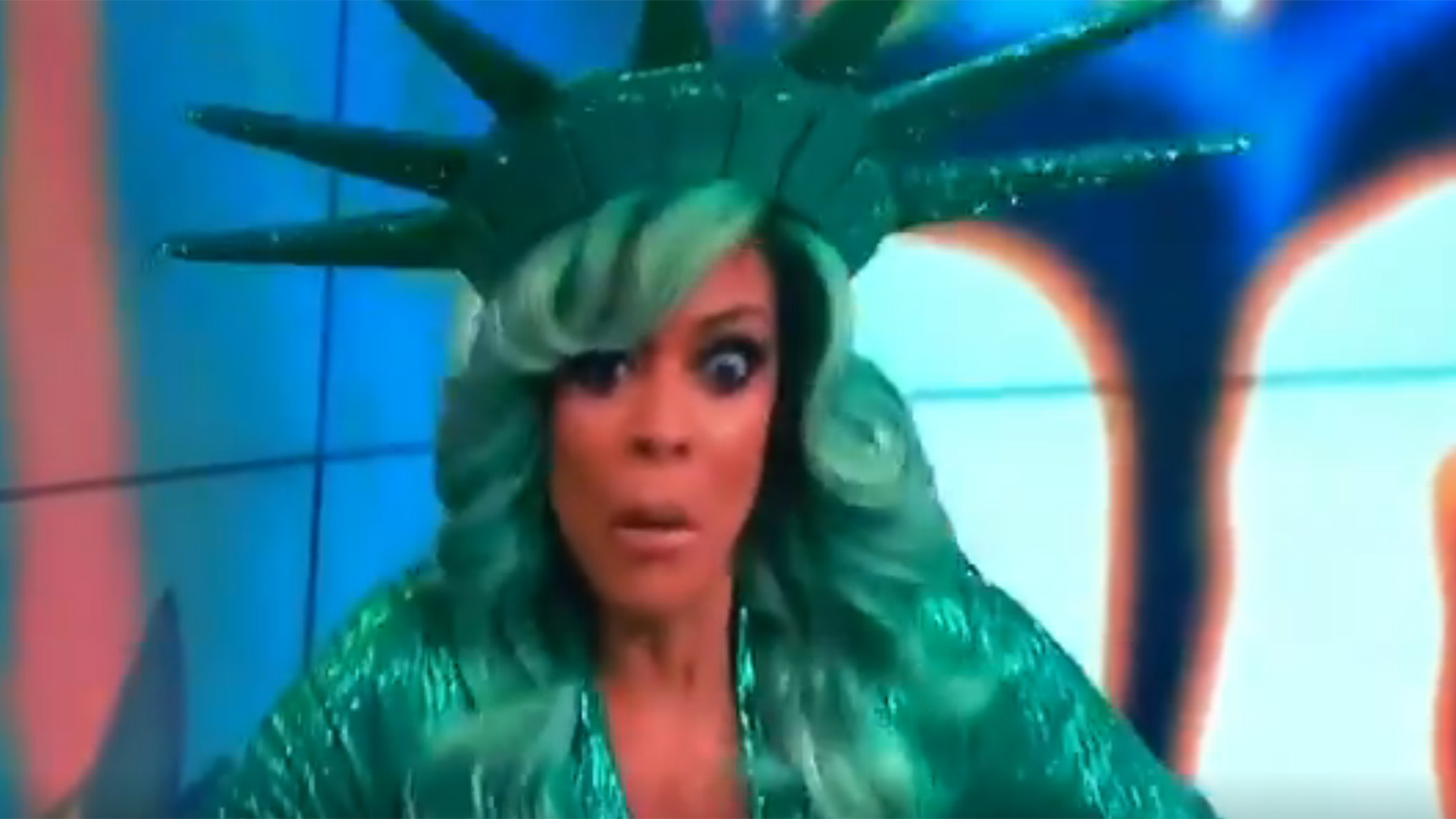 photo Wendy Williams Passes Out During Live Episode of The Wendy Williams Show