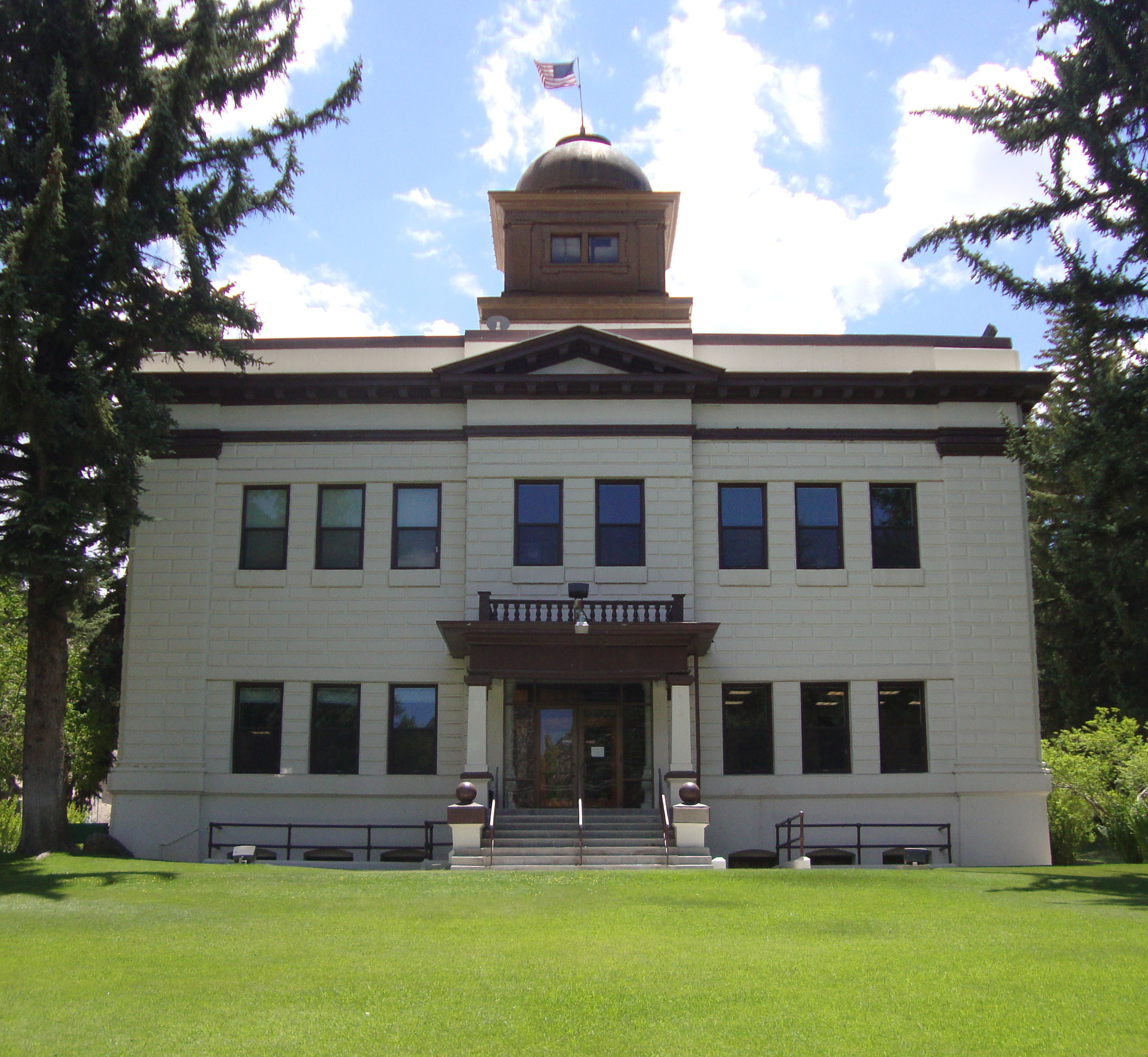 Image: The White Pine County Courthouse in Ely, Nevada