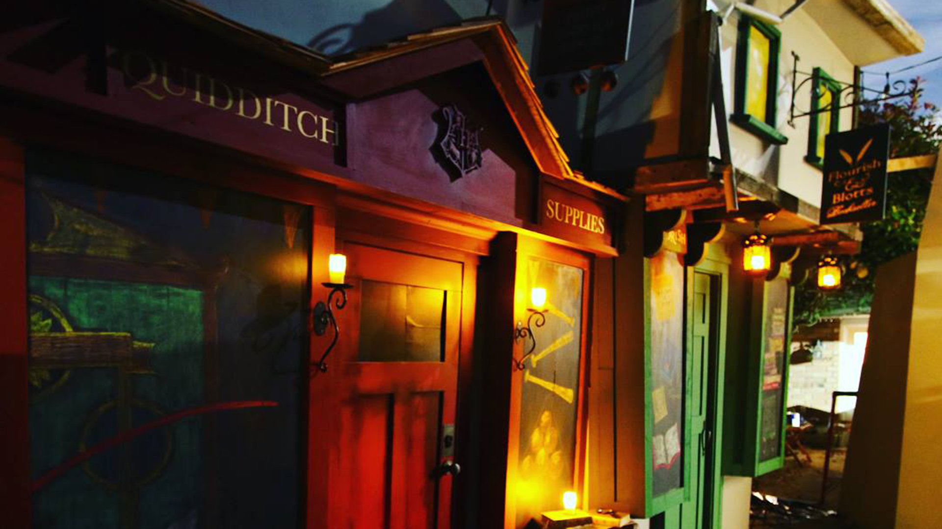 World's best dad builds a life-size replica of 'Harry Potter's' Diagon Alley