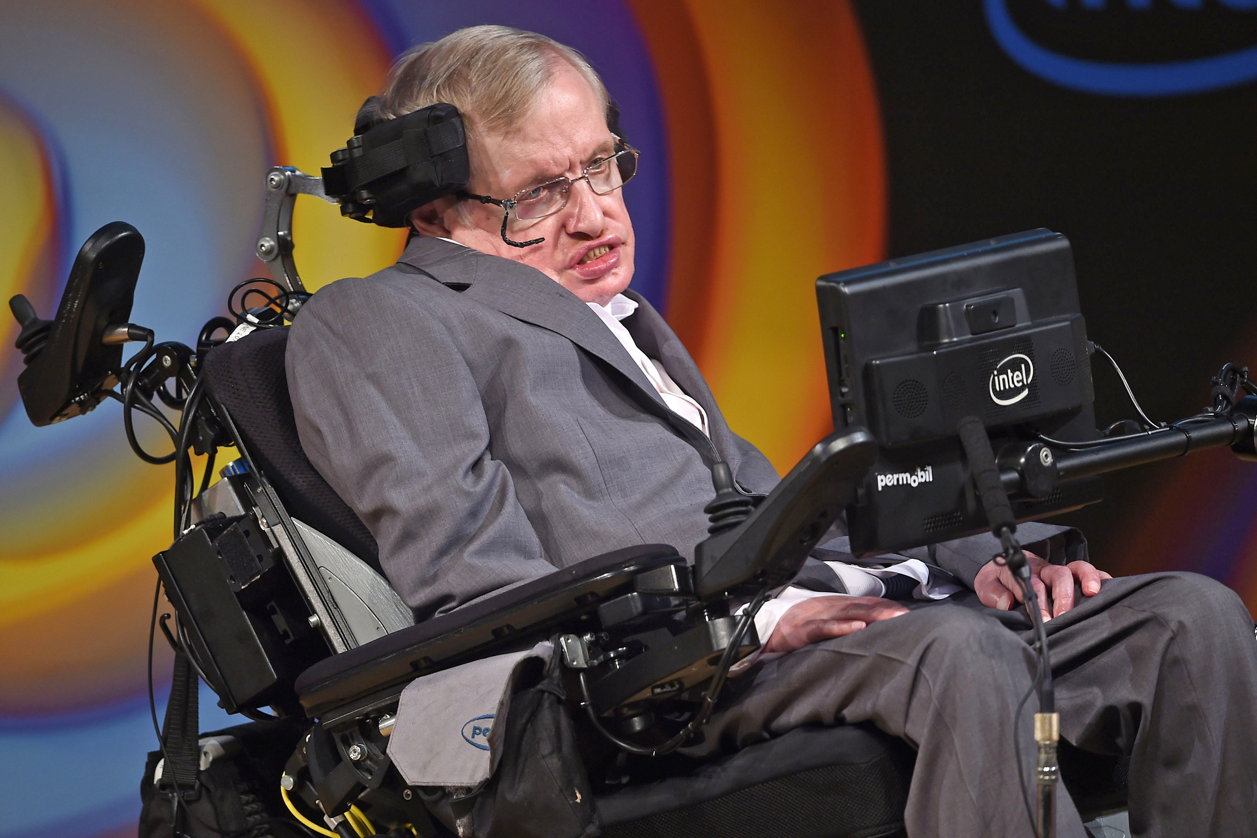Stephen Hawking Image: Stephen Hawking Says Humans Must Leave Earth Within 600 Years
