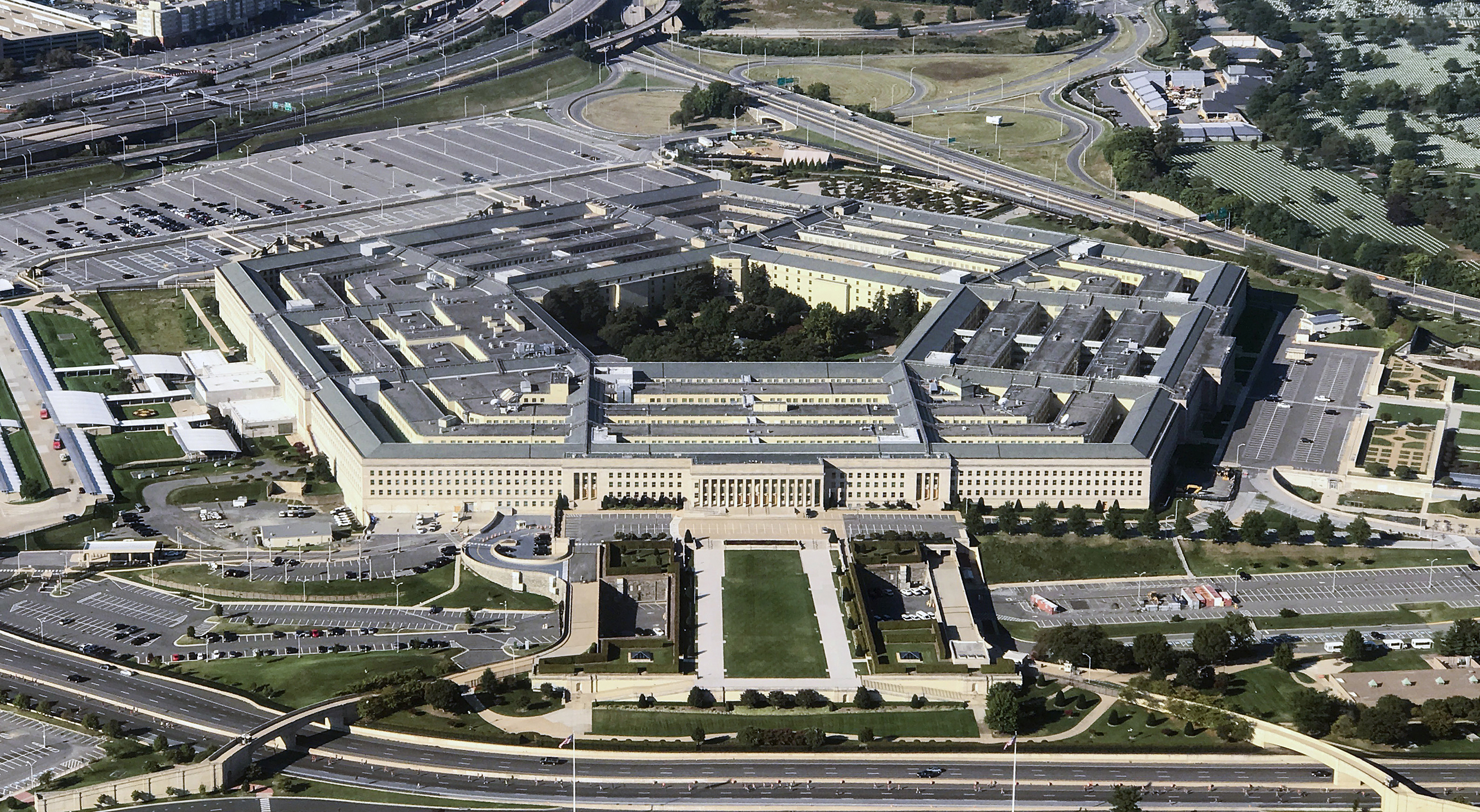 Pentagon-to-Pay-for-Surgery-for-Active-duty-Transgender-Soldier