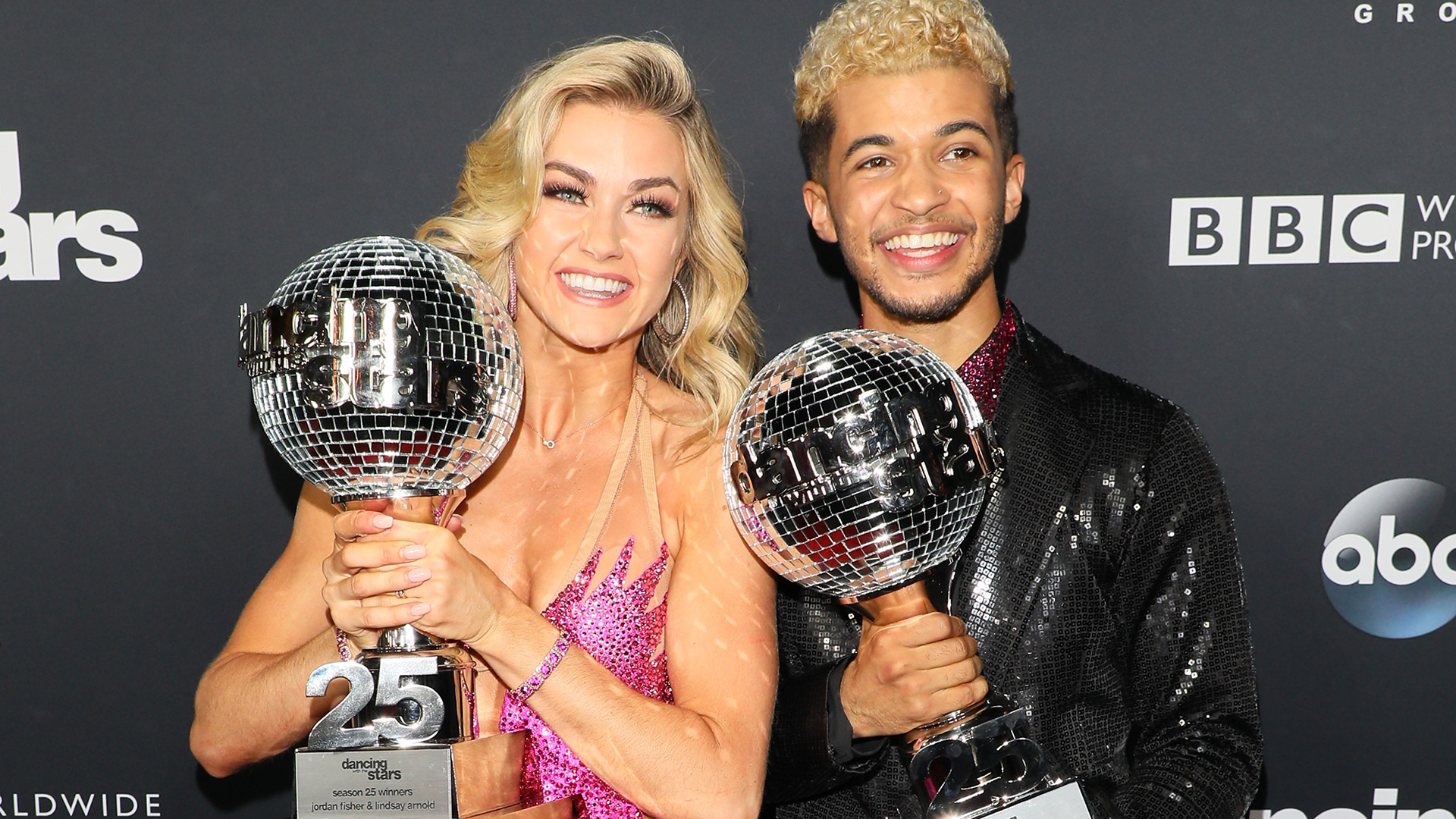 Jordan Fisher wins mirrorball trophy on \u0027Dancing With the Stars ...