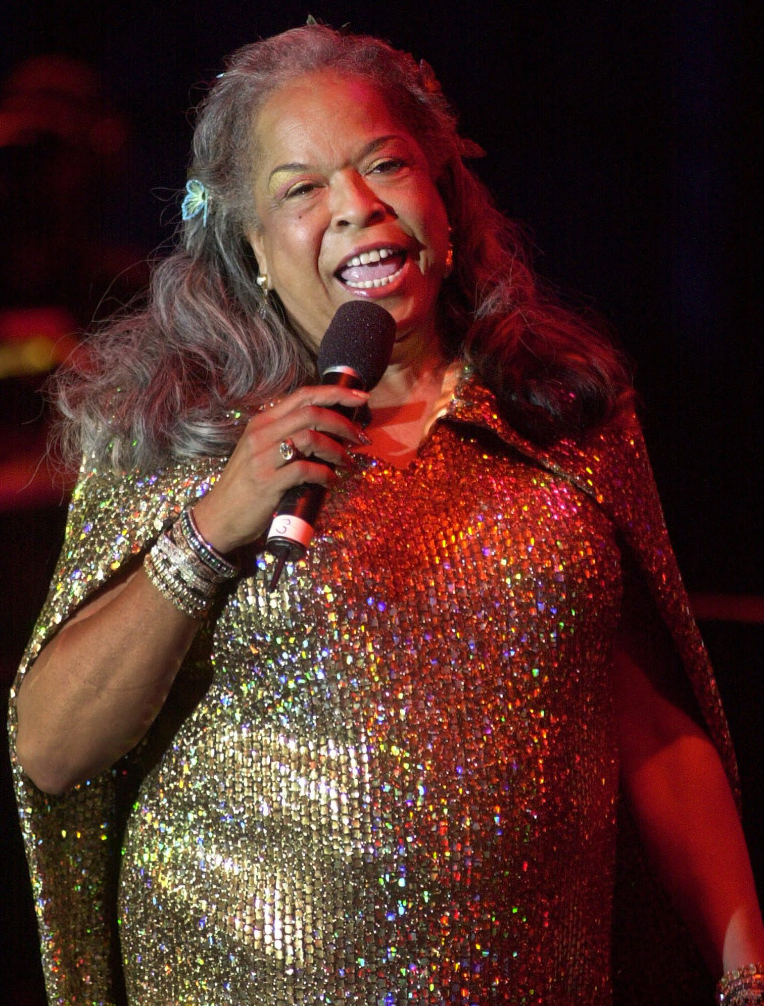 Image: Della Reese sings during the Detroit 300 festival