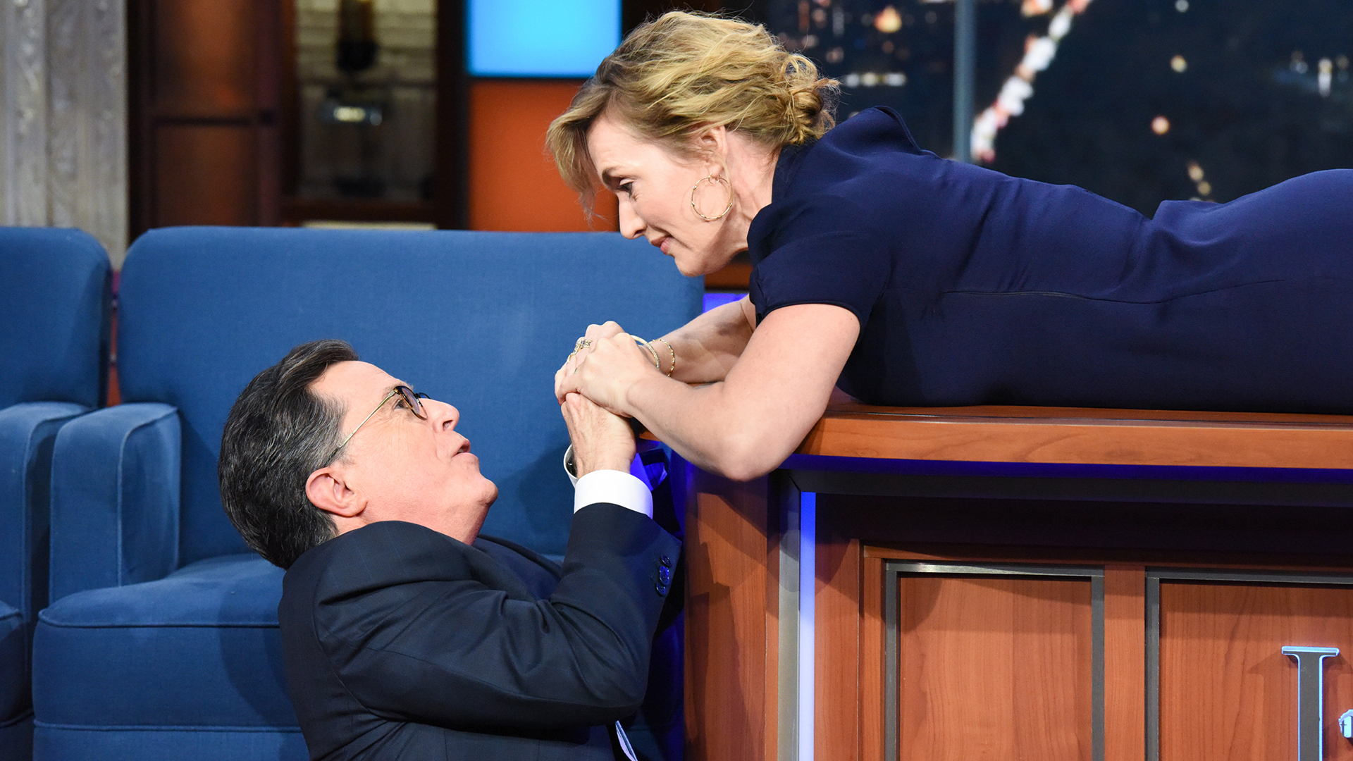 rose finally saves jack kate winslet and stephen colbert