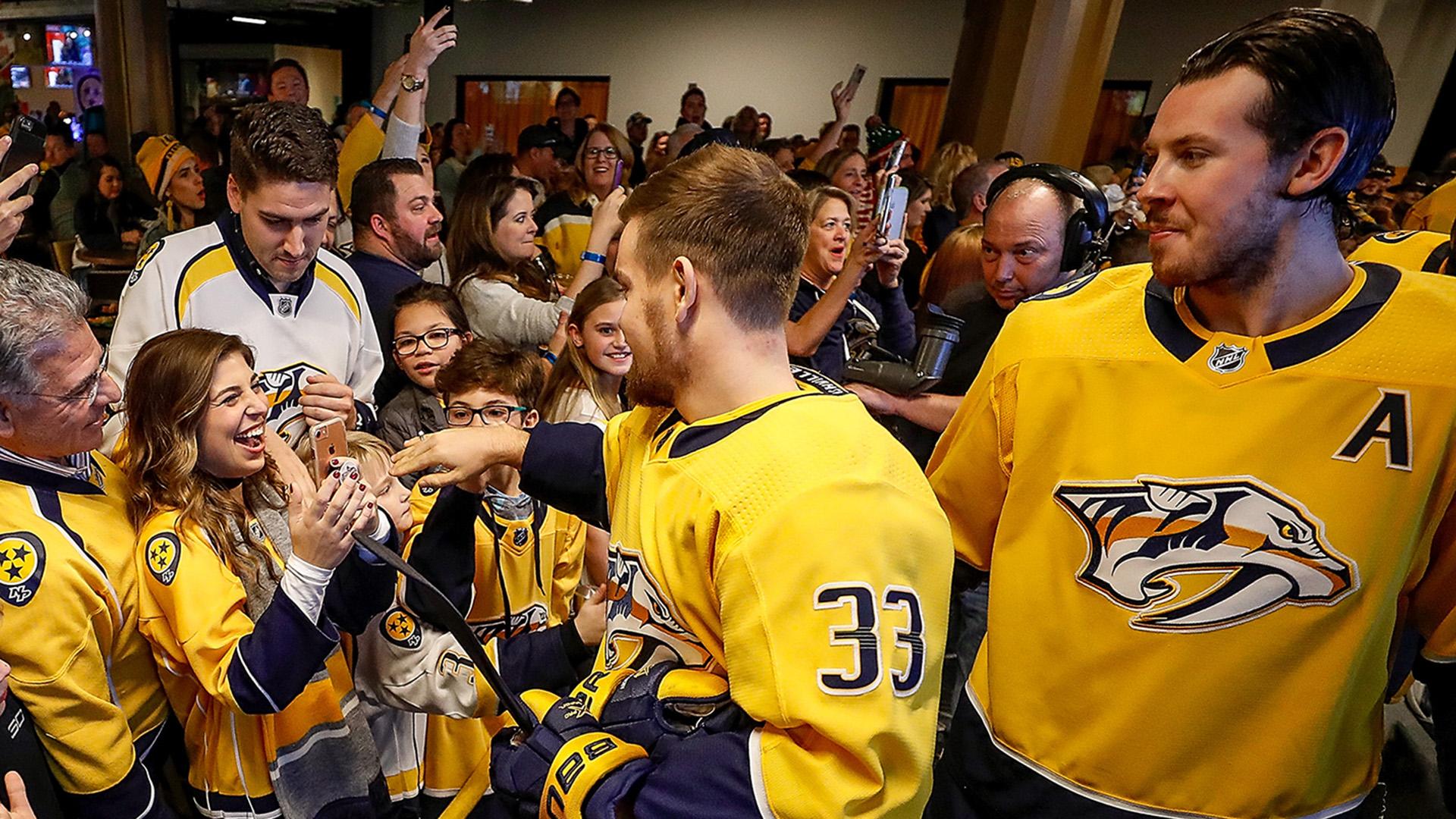 Nashville Predators Viktor Arvidsson Helps Fan Propose To