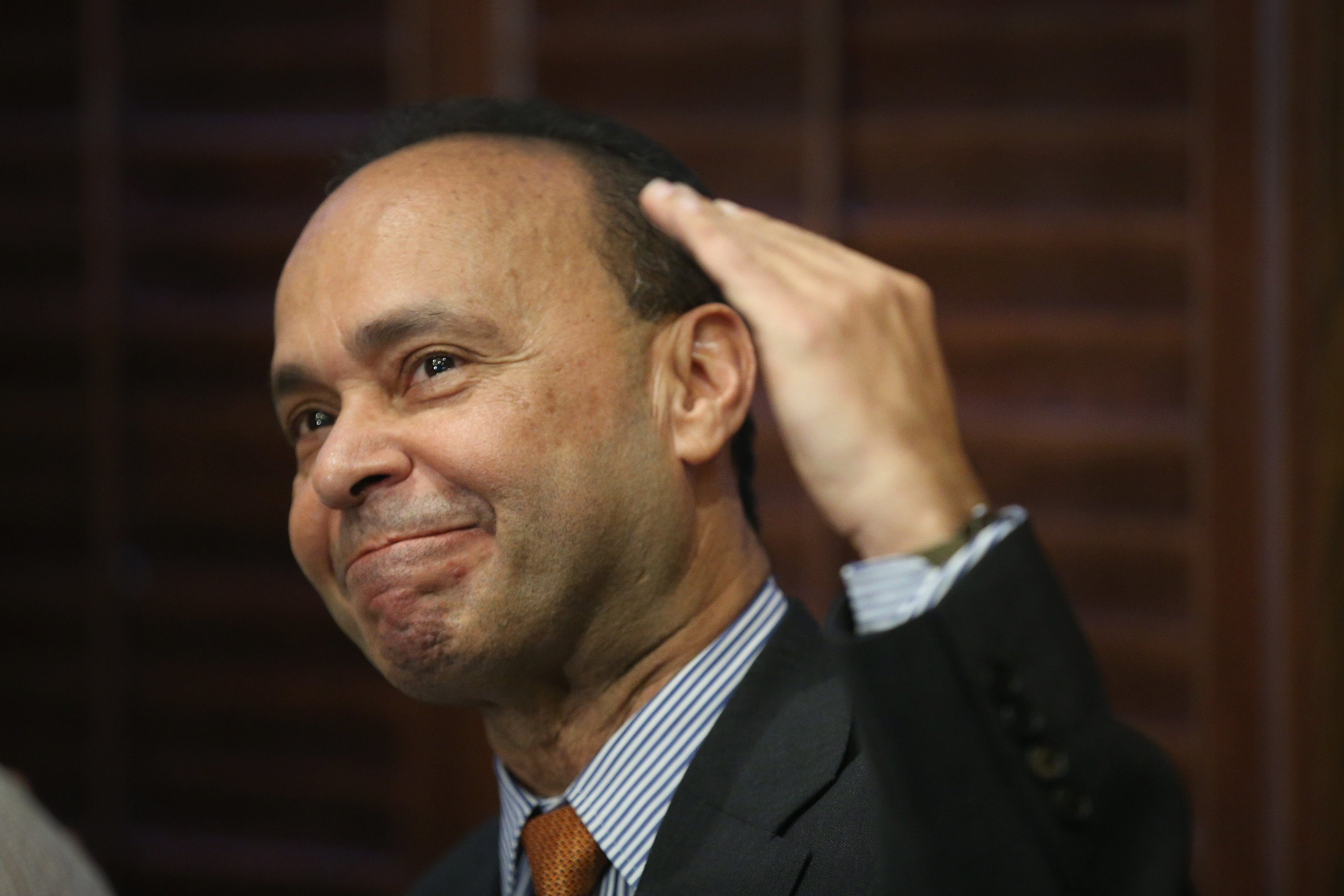 Image: Illinois Rep. Luis Gutierrez Announces His Retirement From Congress